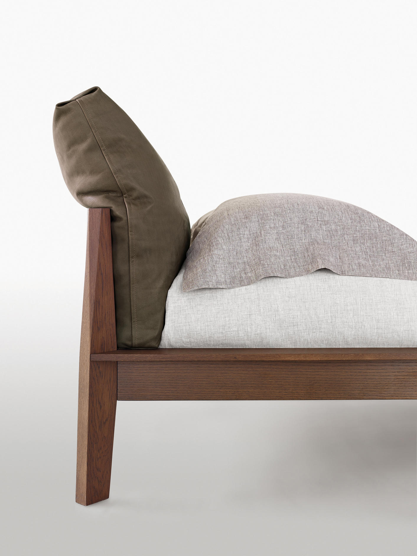 Wish beds from molteni c architonic - Divano letto oz molteni prezzo ...