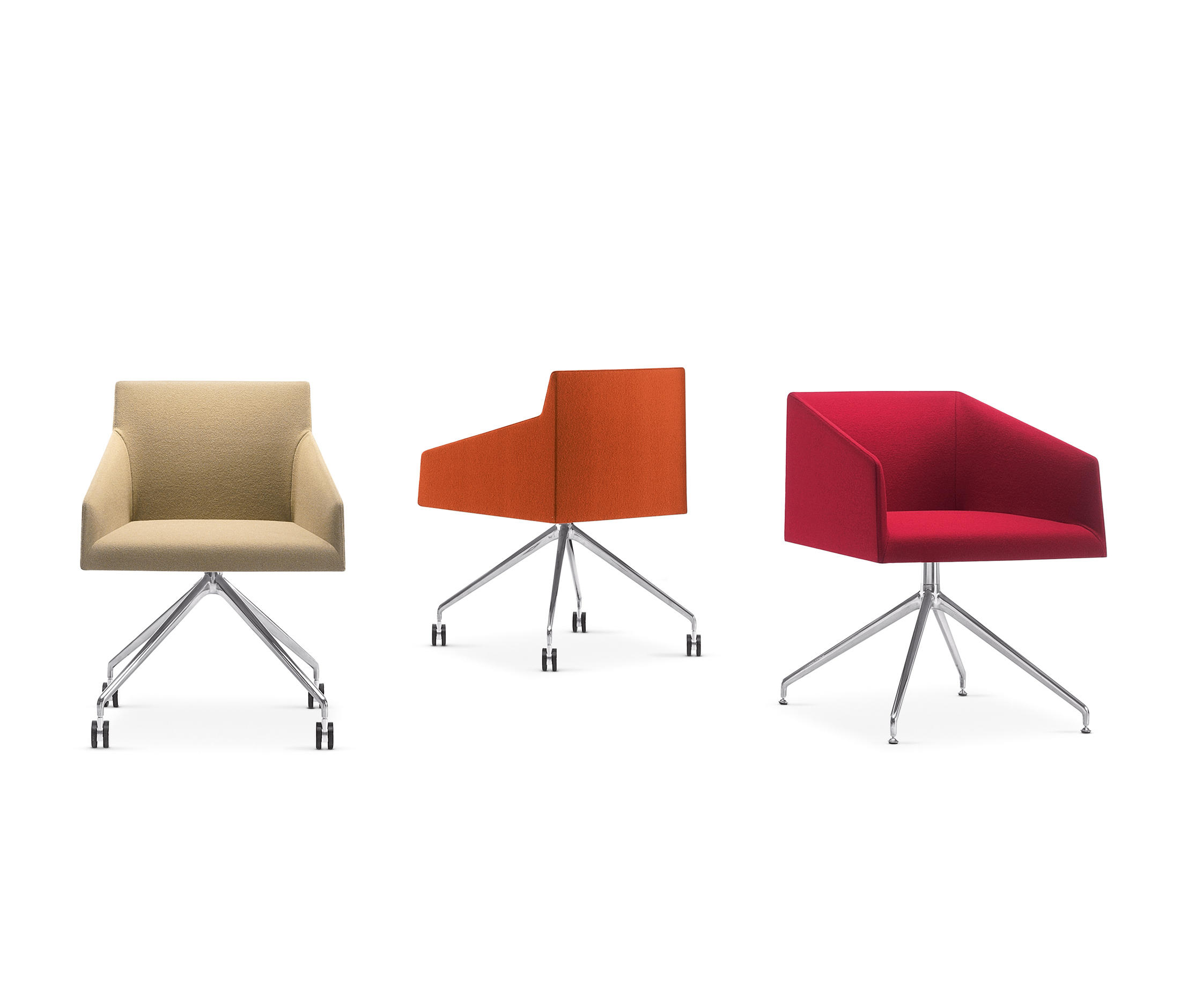 SAARI XL Lounge chairs from Arper