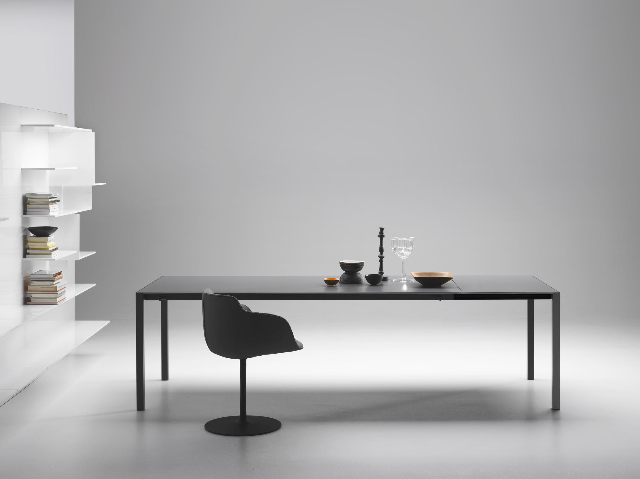 ext table besprechungstische von mdf italia architonic. Black Bedroom Furniture Sets. Home Design Ideas