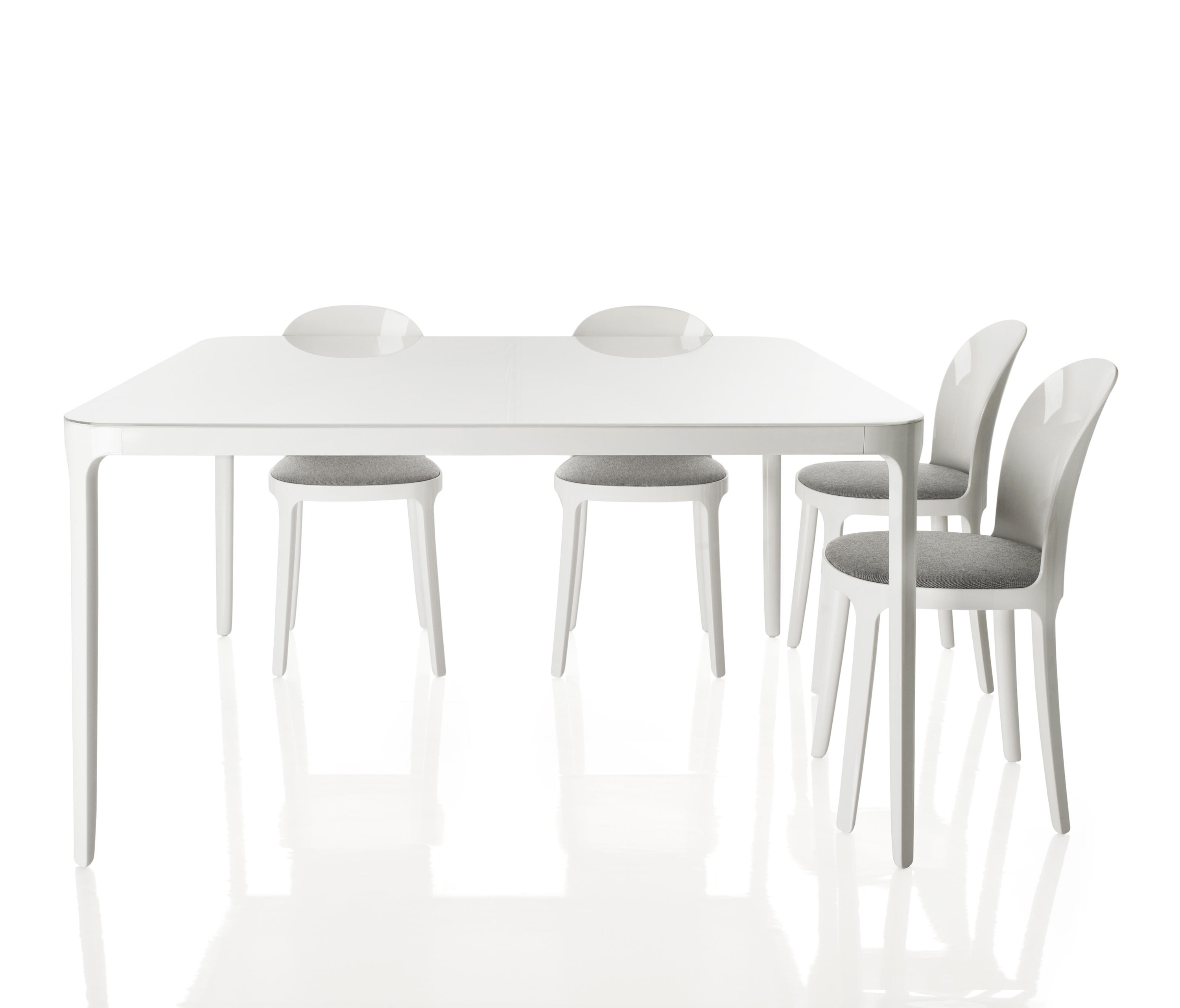 Vanity chair visitors chairs side chairs from magis for Table salle a manger carree blanche