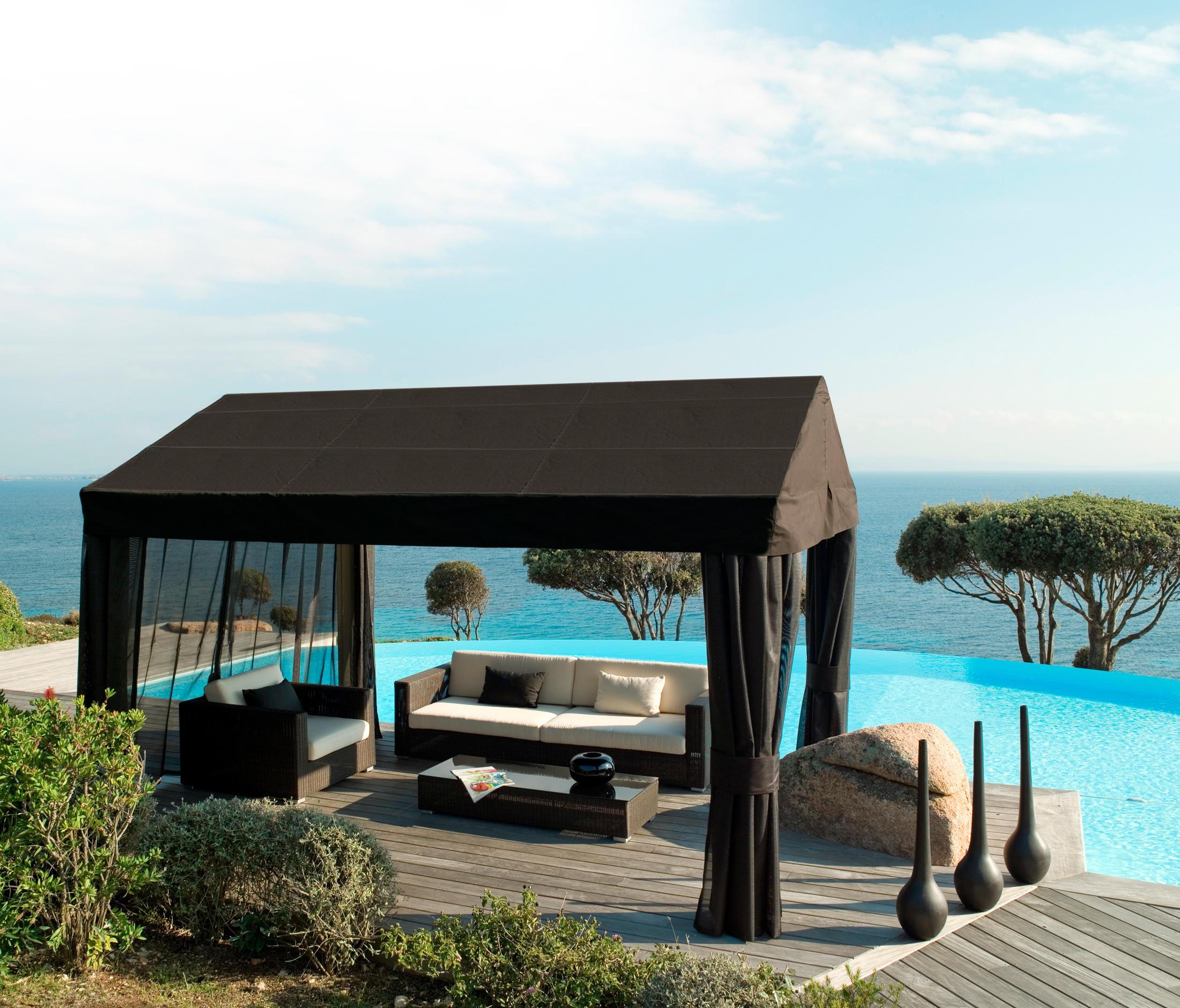 belmont beistelltisch mokka garten beistelltische von cane line architonic. Black Bedroom Furniture Sets. Home Design Ideas