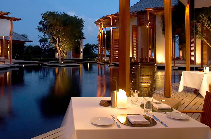 Little margarita iluminaci n general de neoz lighting for Conrad maldives precios