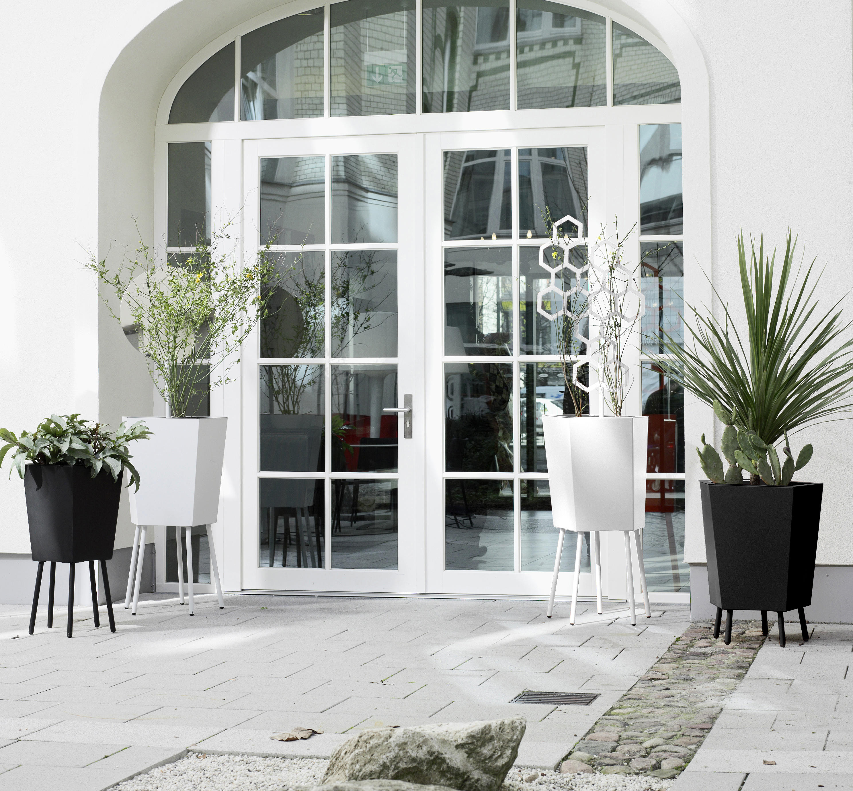 ELEVATION PLANTER Flowerpots Planters From FLORA Architonic - How to check elevation