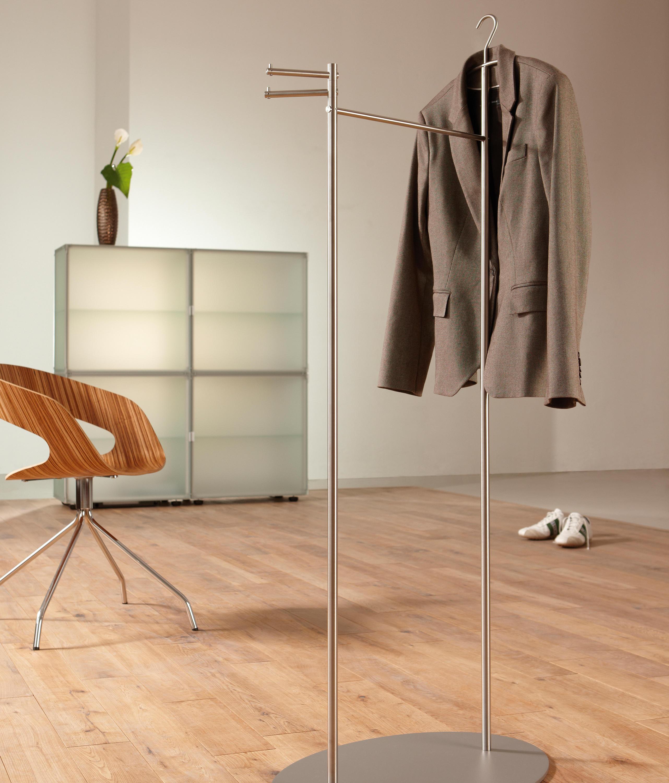 stummer diener design stummer diener aus holz private space von ellenberger design stummer. Black Bedroom Furniture Sets. Home Design Ideas