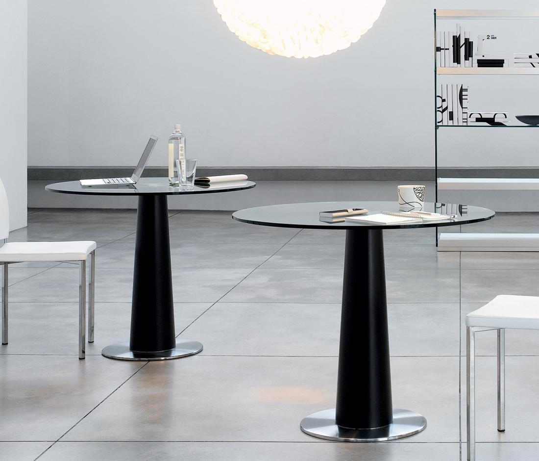 Ra fx tavoli caffetteria gallotti radice architonic for Produttori tavoli