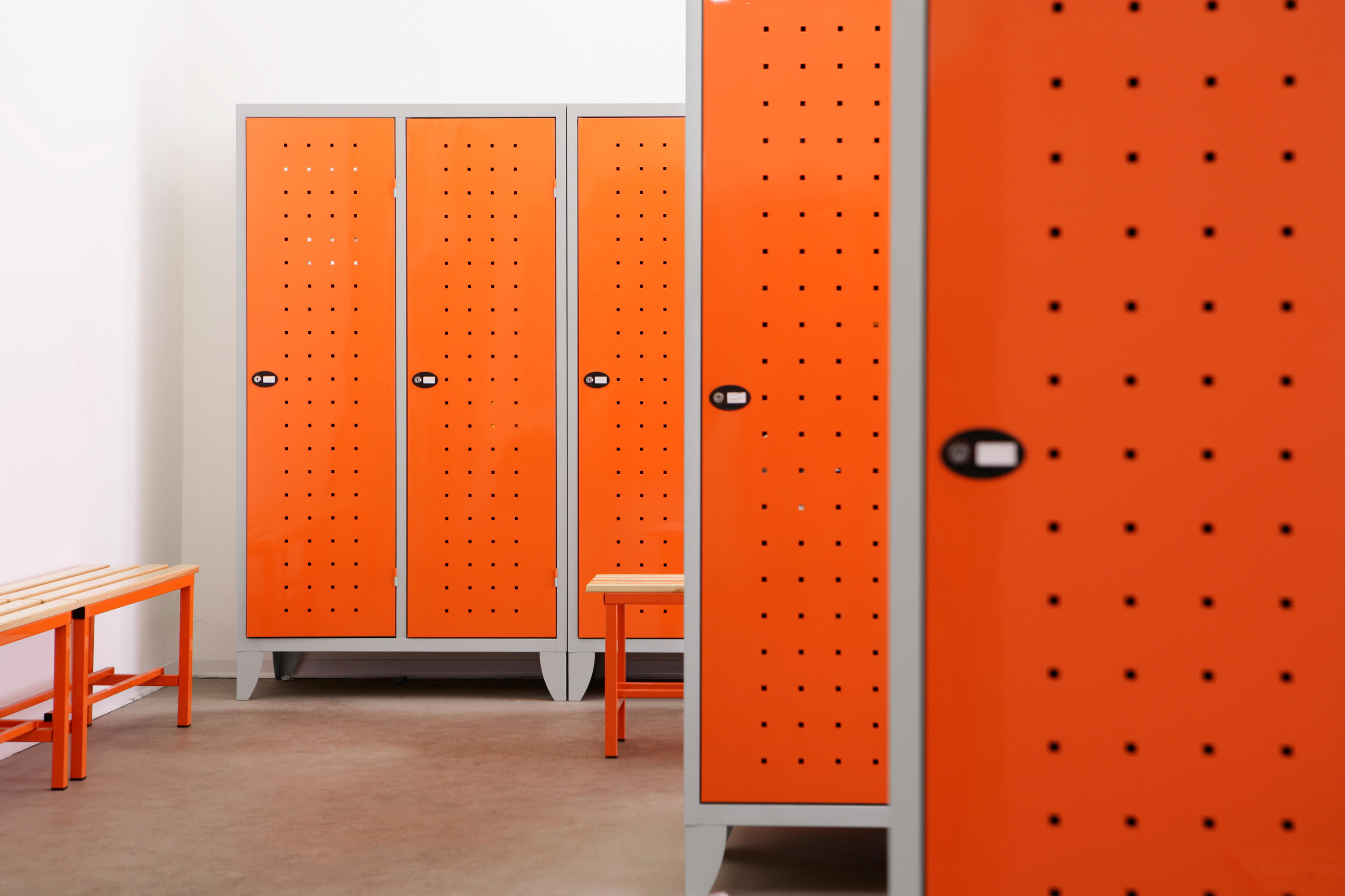 Monoplus design 1 door locker lockers from dieffebi for Designer lockers