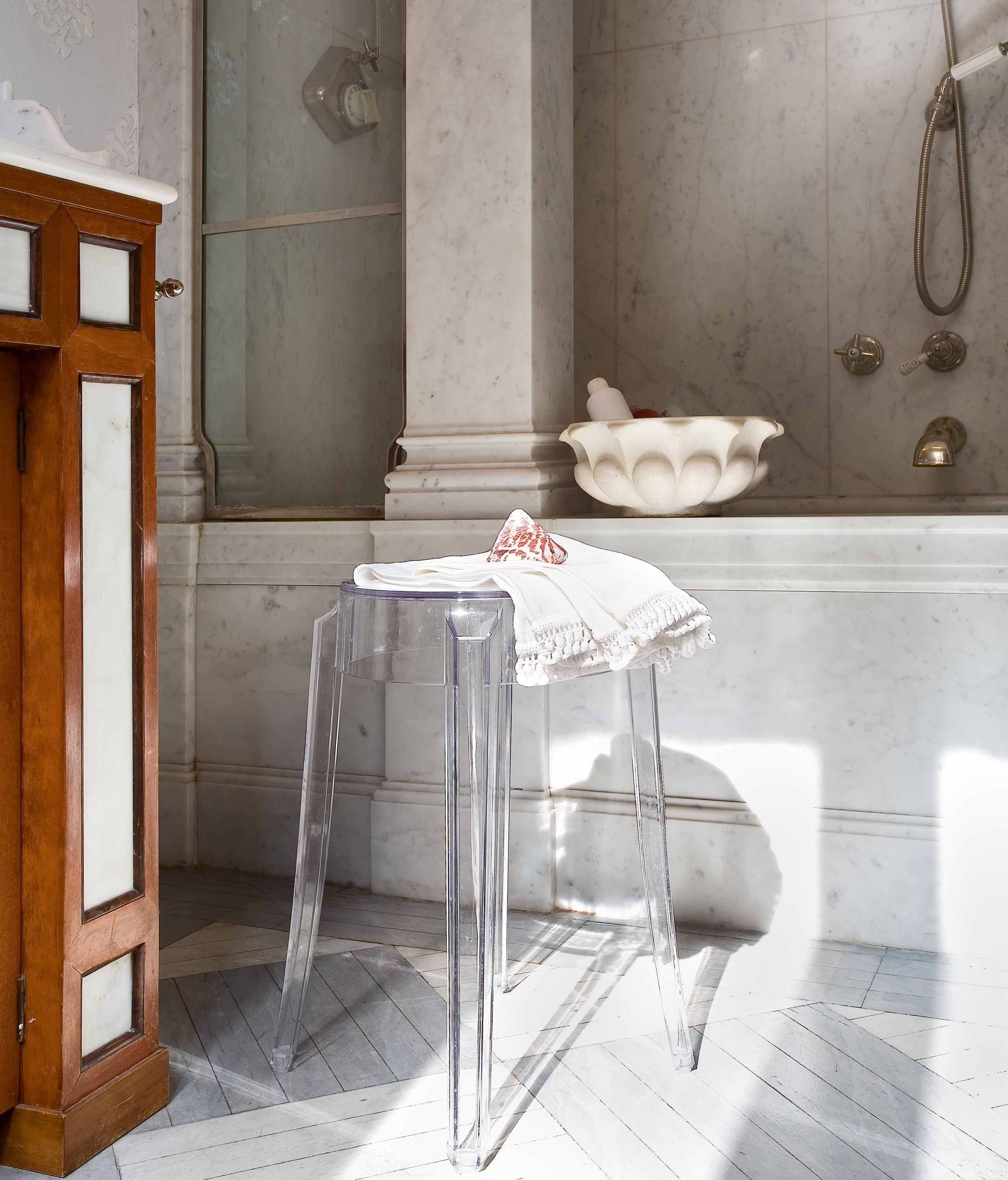 kartell chair philippe starck transparant louis ghost