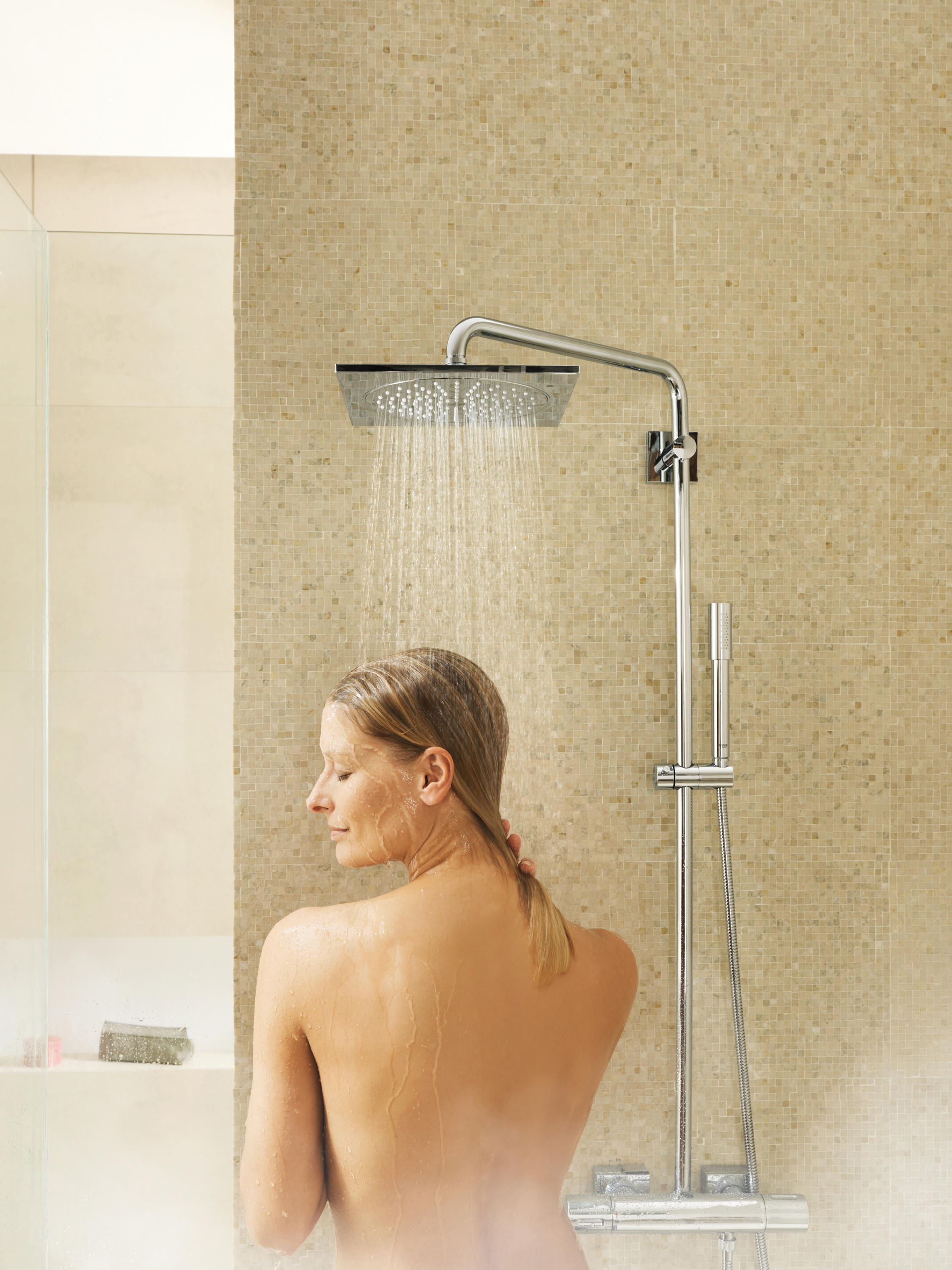 euphoria cube xxl system 230 shower system with thermostatic mixer shower taps mixers from. Black Bedroom Furniture Sets. Home Design Ideas