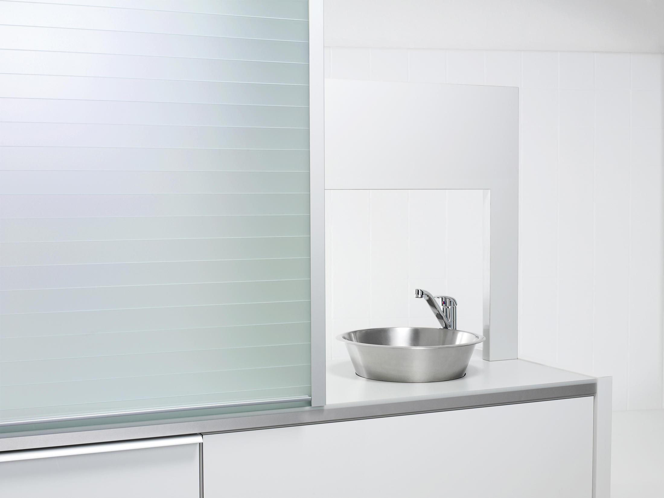 RAUVOLET VETRO-LINE - Wardrobe doors from REHAU | Architonic