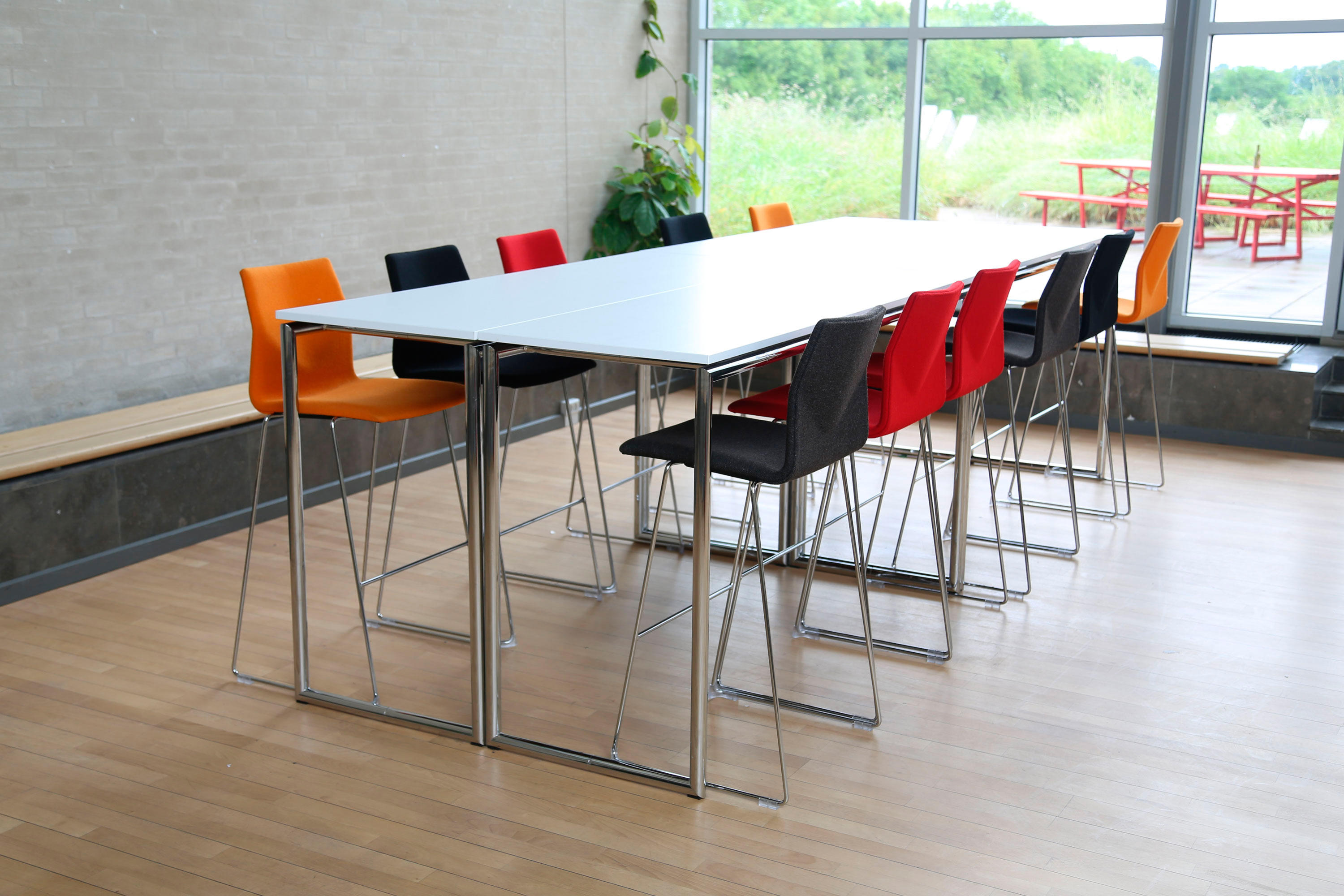 FOUR STANDING® - Bar tables from Four Design | Architonic