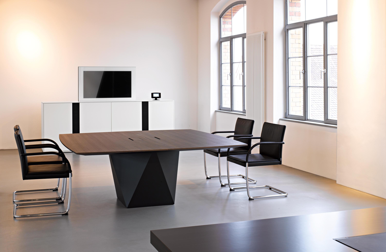 media sideboard multimedia sideboards from walter knoll. Black Bedroom Furniture Sets. Home Design Ideas
