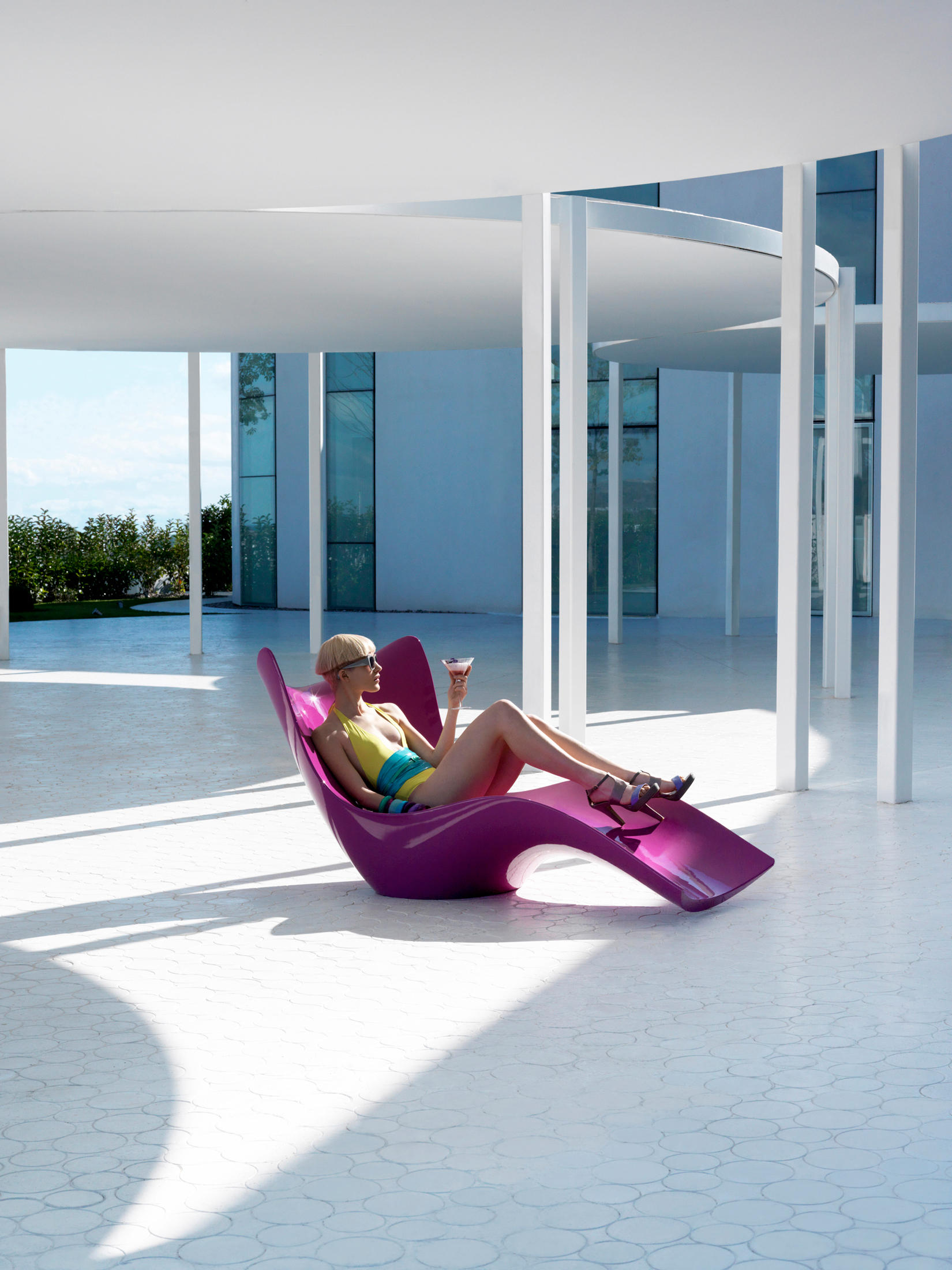 surf sun loungers from vondom architonic. Black Bedroom Furniture Sets. Home Design Ideas