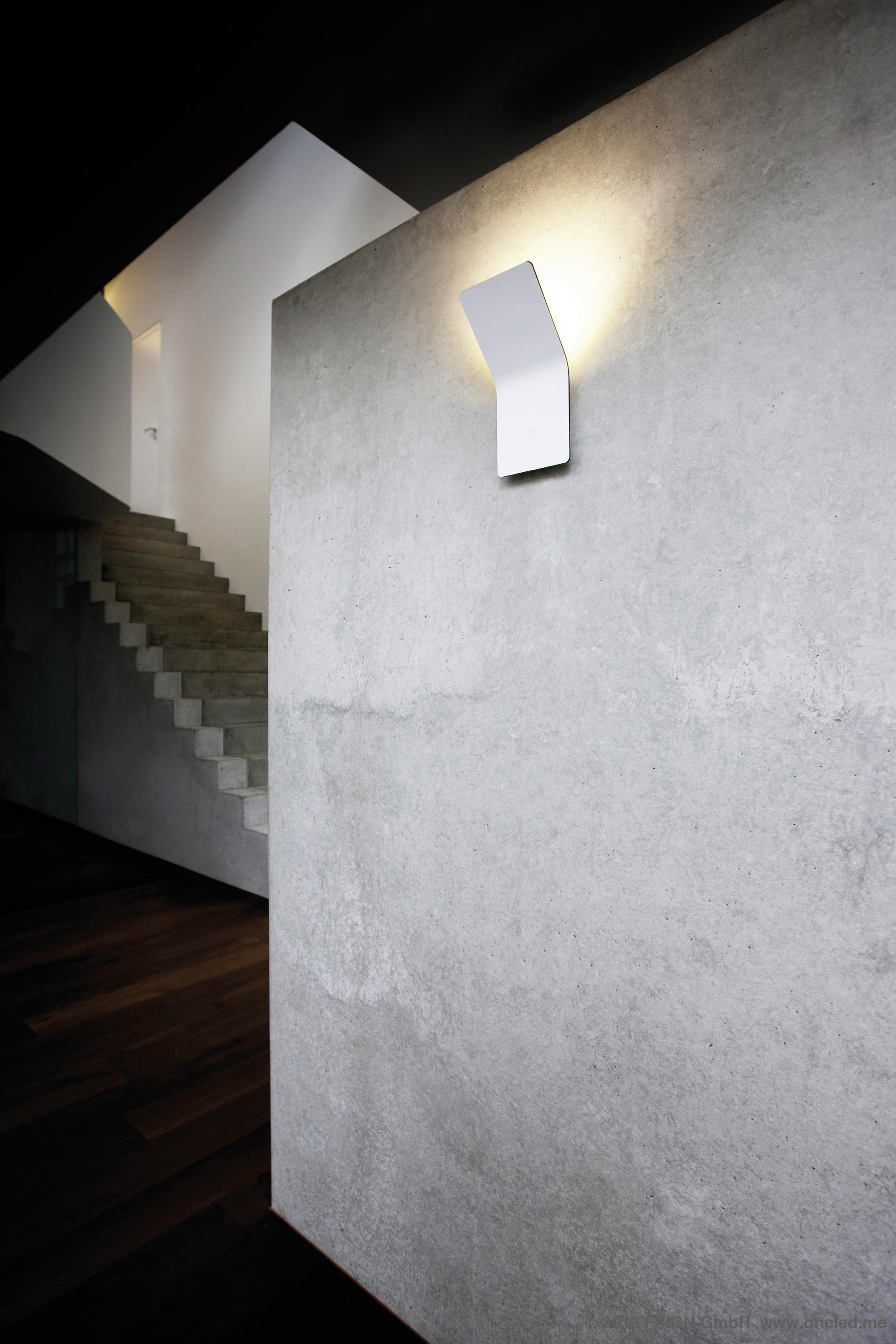 oneled wall luminaire indirect wall lights from oneled architonic. Black Bedroom Furniture Sets. Home Design Ideas