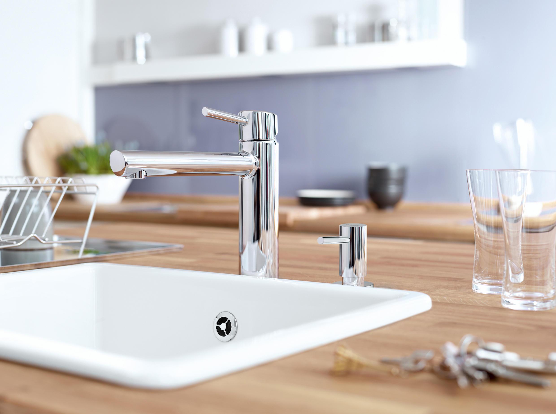 Concetto miscelatore monocomando per lavello rubinetterie cucina