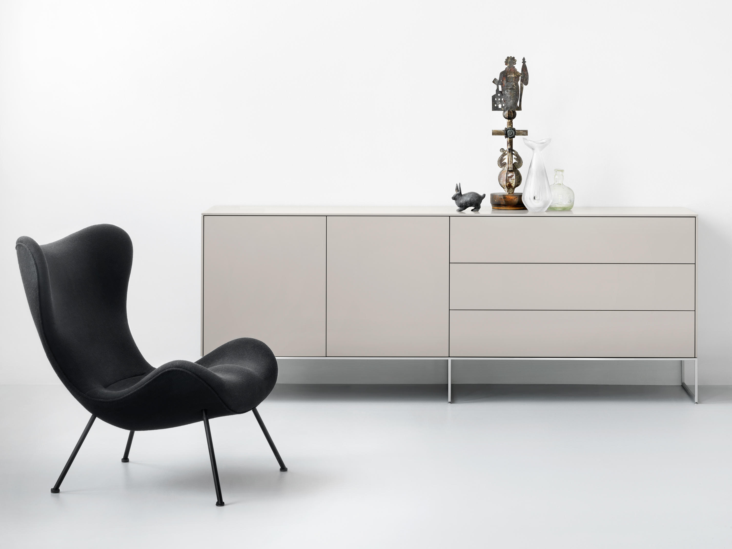 line sideboard sideboards from piure architonic. Black Bedroom Furniture Sets. Home Design Ideas