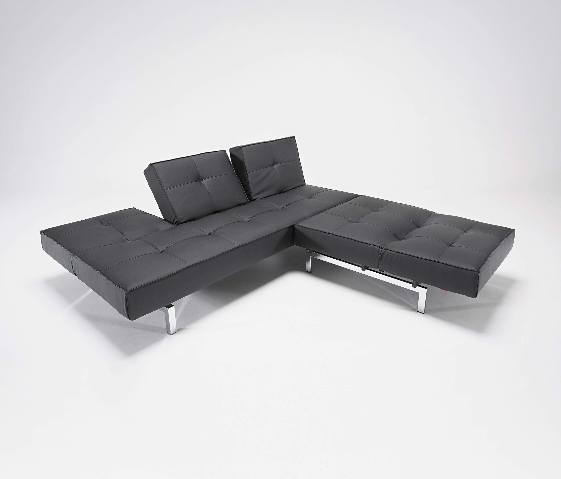 TRIPLEBACK Sofa beds from Innovation Randers