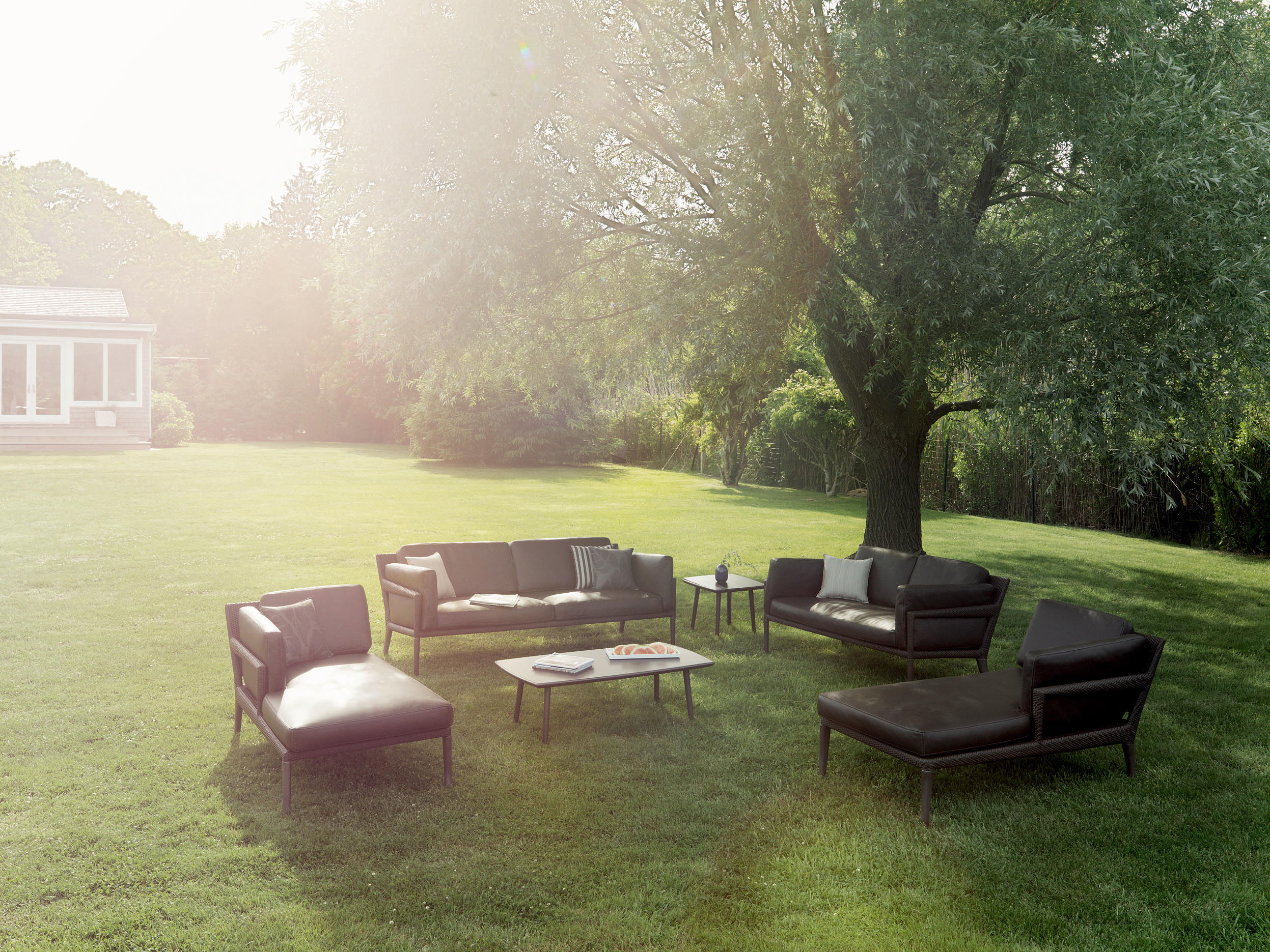 Tribeca lounge chair garden armchairs from dedon for Dedon outdoor furniture