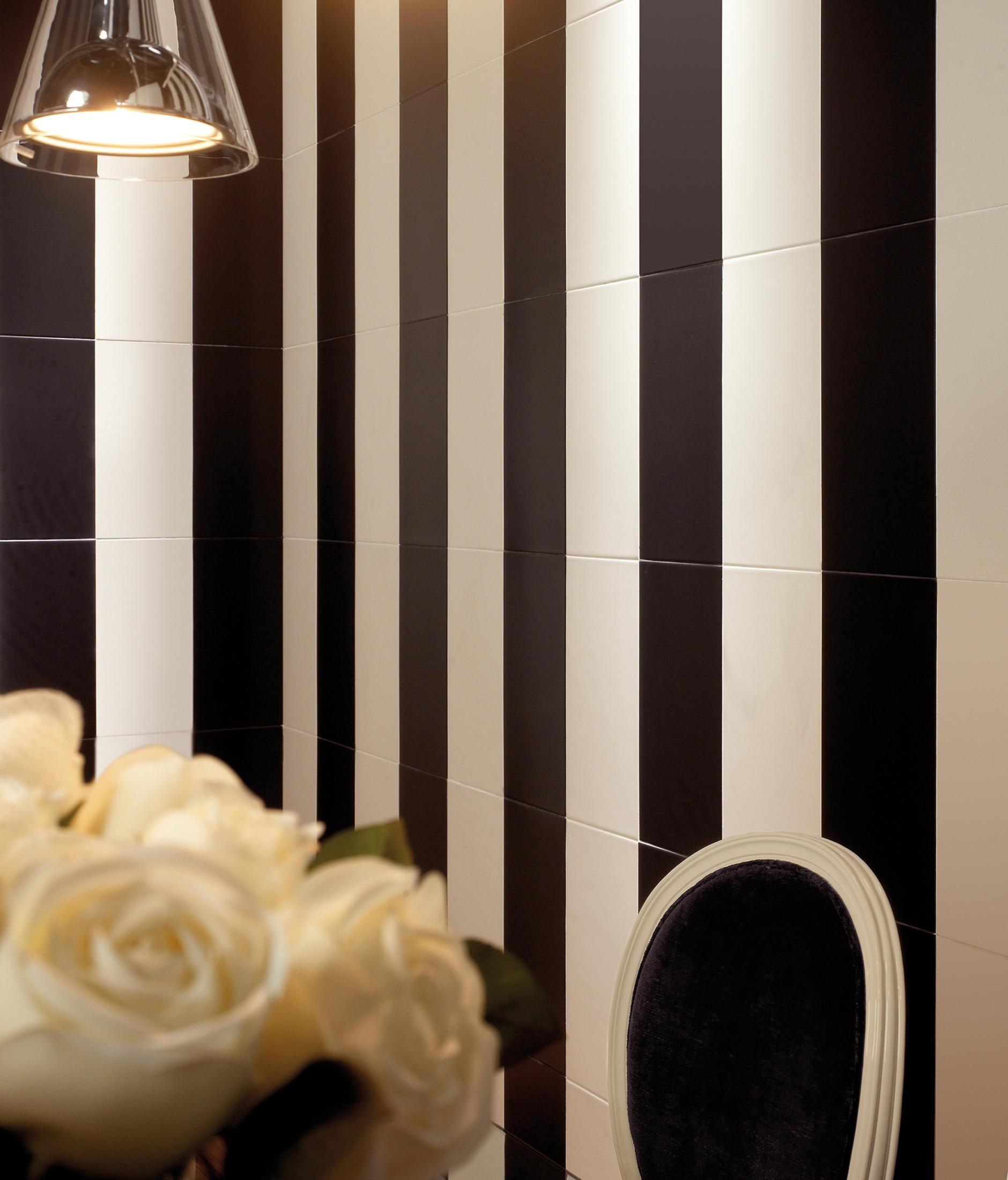 Senkel negro baldosas de vives cer mica architonic for Concepto de ceramica