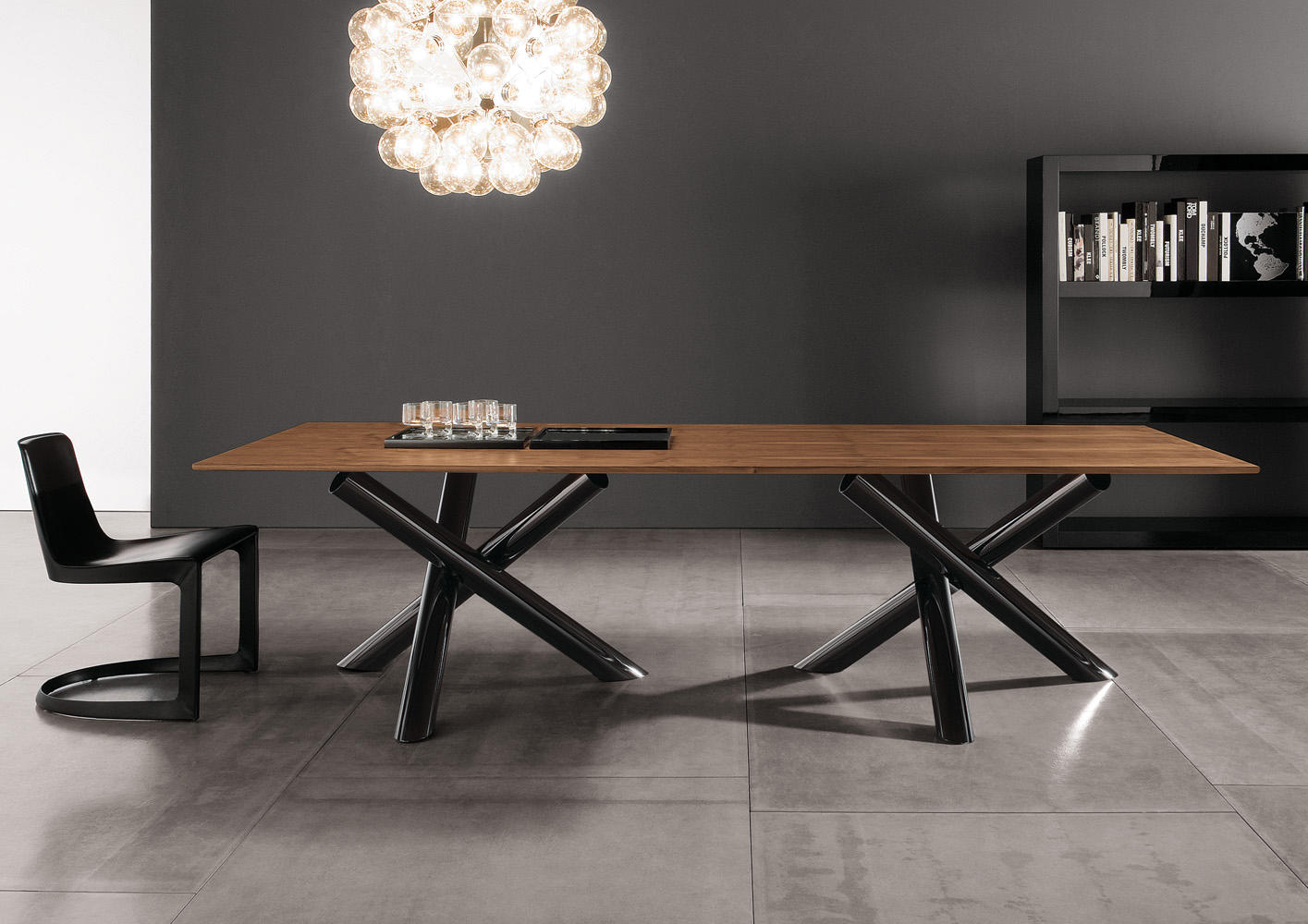 Ambient images. Van Dyck Table by Minotti ...