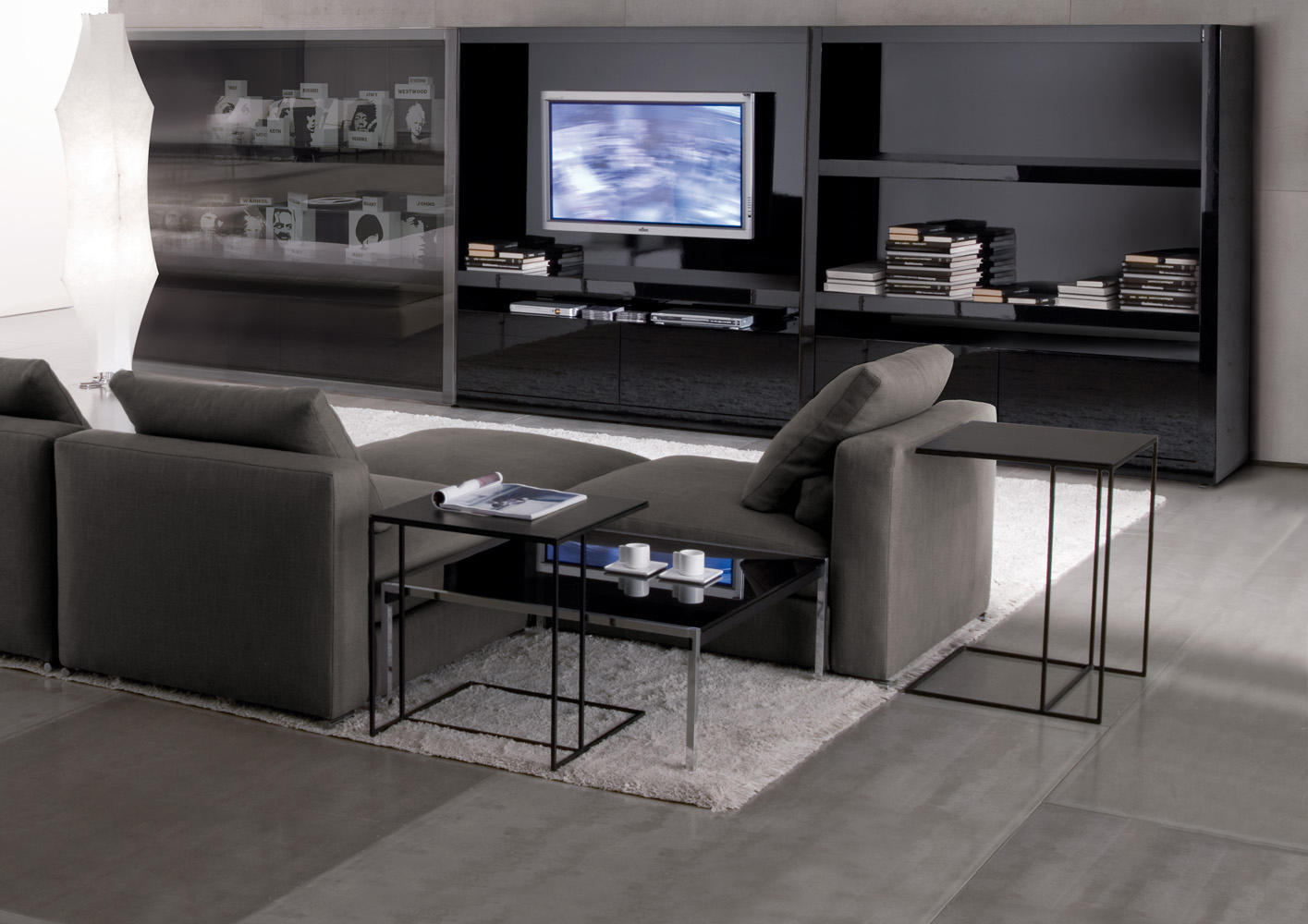 Leger side tables from minotti architonic for Telephone leger