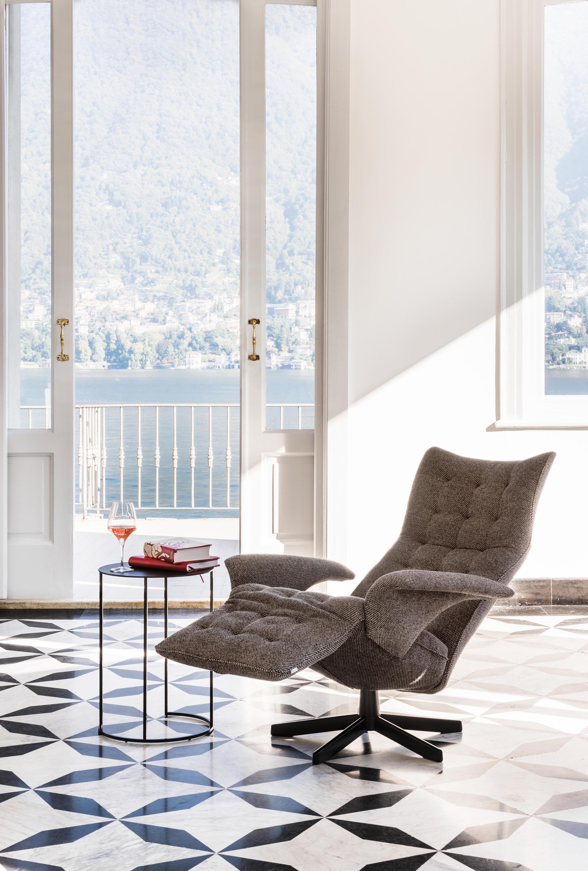 square relaxsessel sessel von jori architonic. Black Bedroom Furniture Sets. Home Design Ideas