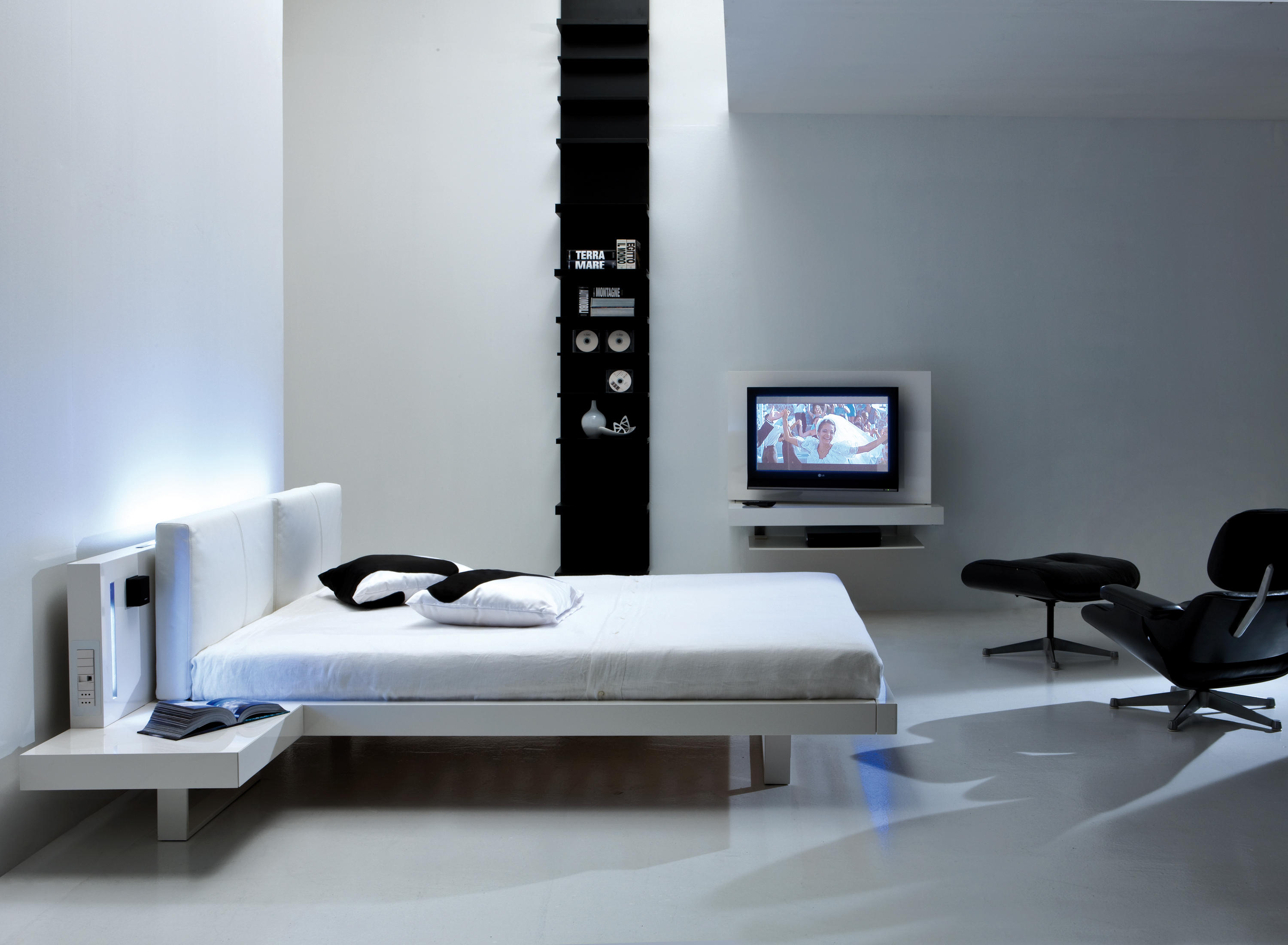 Stunning Camera Da Letto Con Tv Contemporary - Idee Arredamento Casa ...