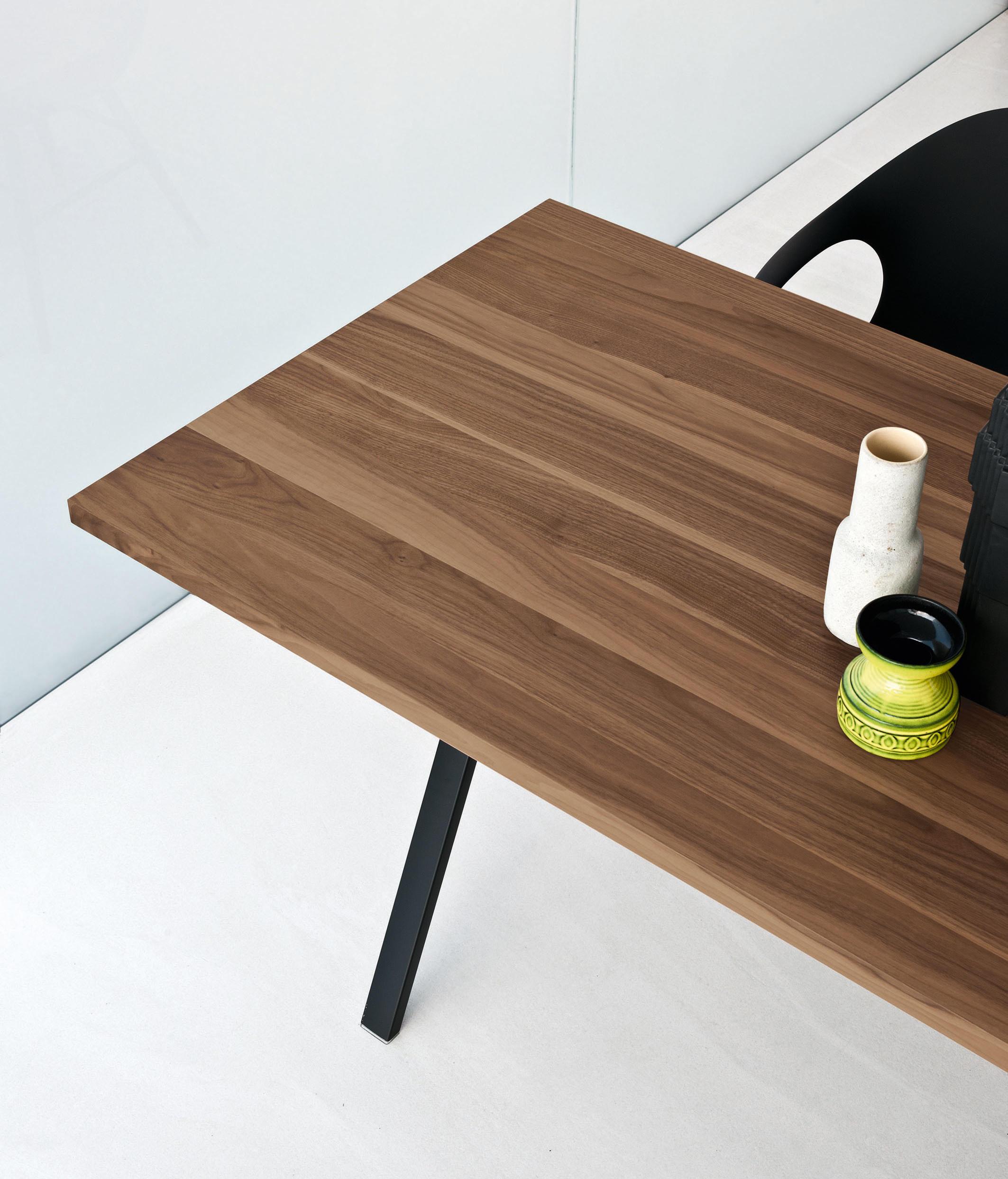 neat tisch restauranttische von kristalia architonic. Black Bedroom Furniture Sets. Home Design Ideas