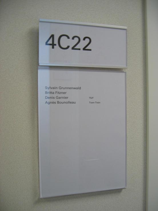 skwizmi plaques de porte de marcal signal tique architonic. Black Bedroom Furniture Sets. Home Design Ideas