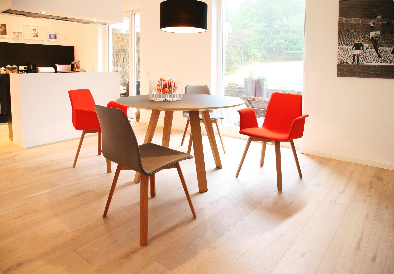 Stühle modern holz  MAVERICK PLUS STAPELBARER OBJEKTSTUHL - Besucherstühle von KFF ...