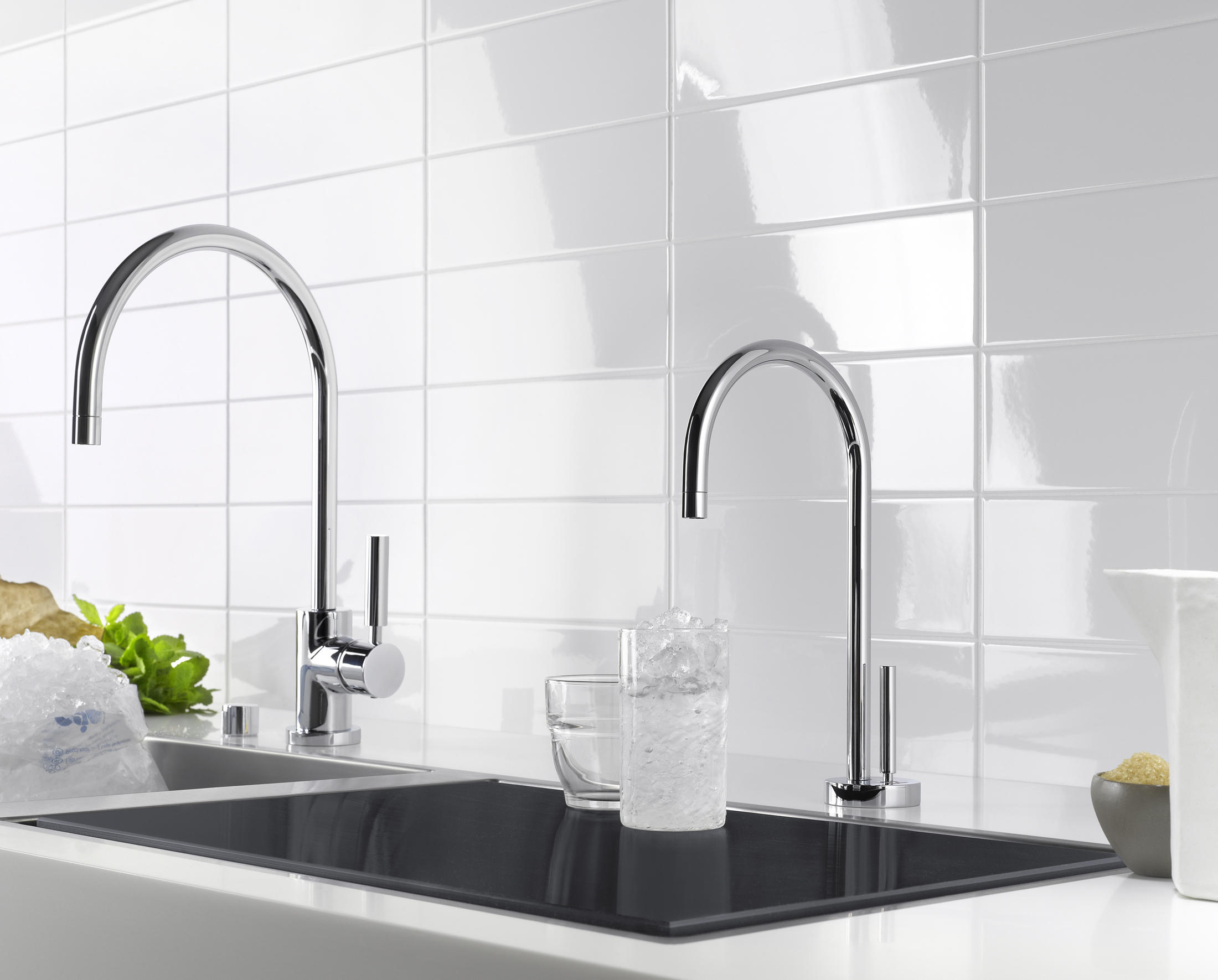 WATER DISPENSER - HOT WATER TANK INCL. FILTER - Bath installation ...