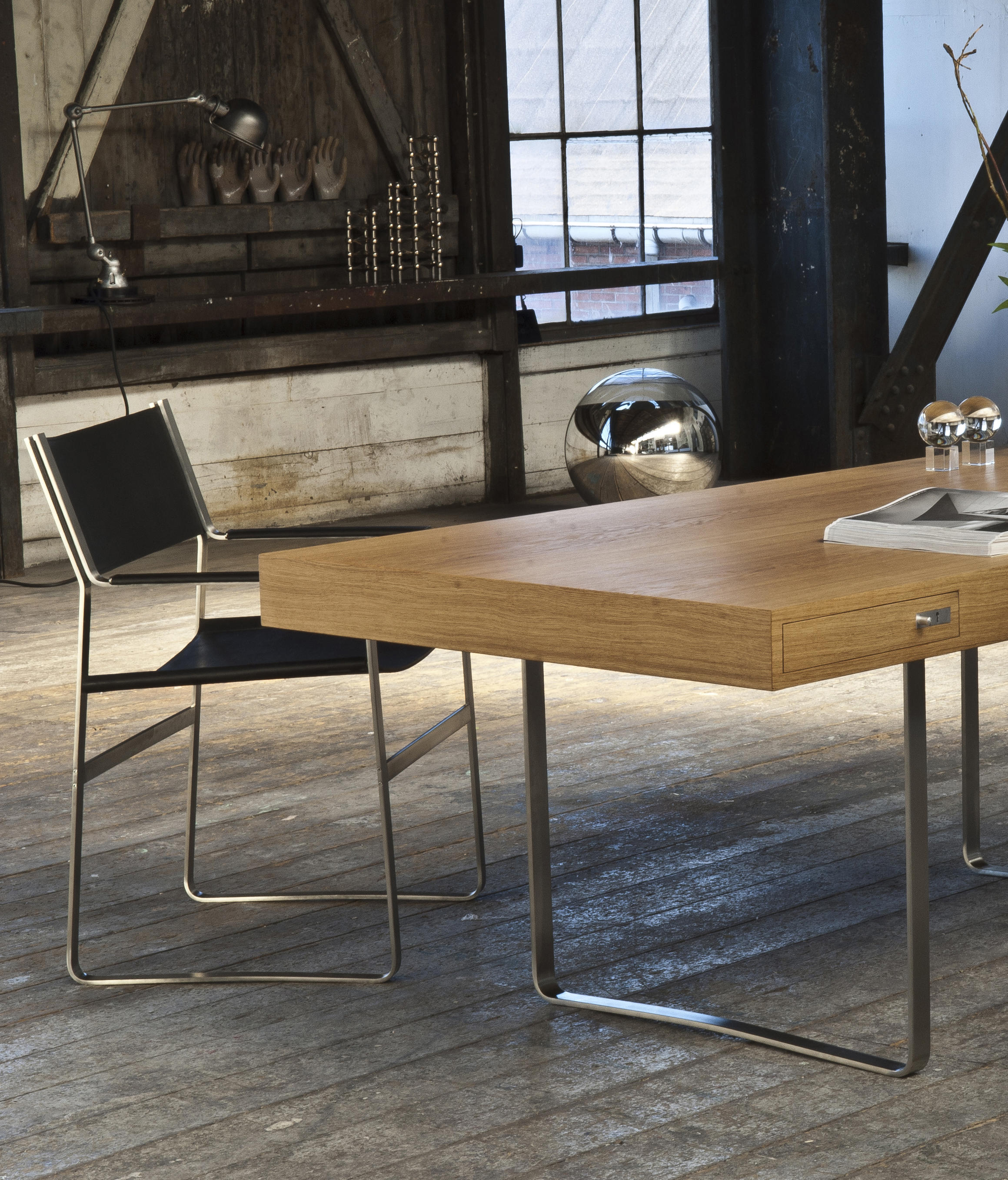 ch110 executive desks from carl hansen s n architonic. Black Bedroom Furniture Sets. Home Design Ideas