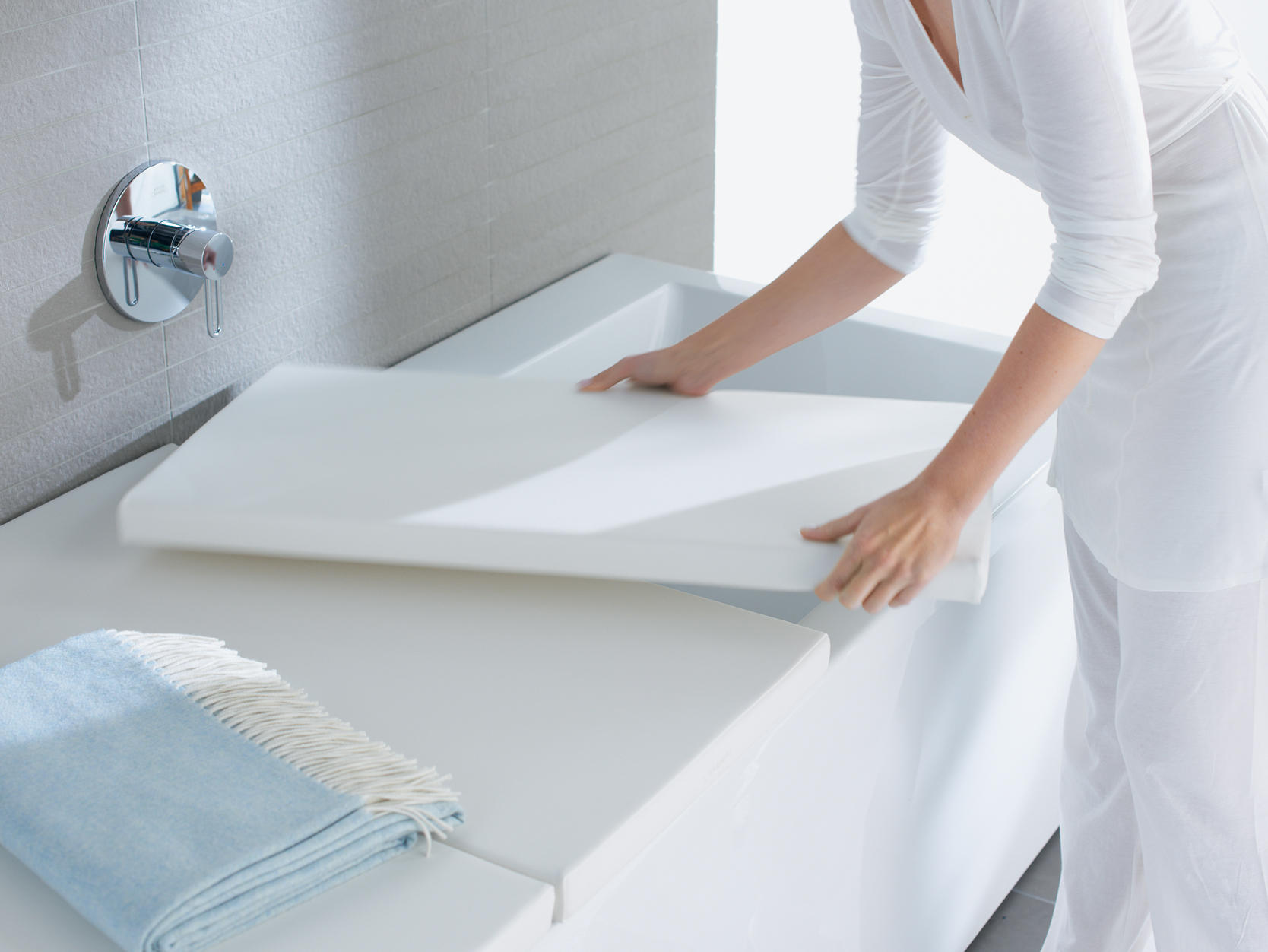 BATHTUB COVER - Shelves from DURAVIT | Architonic