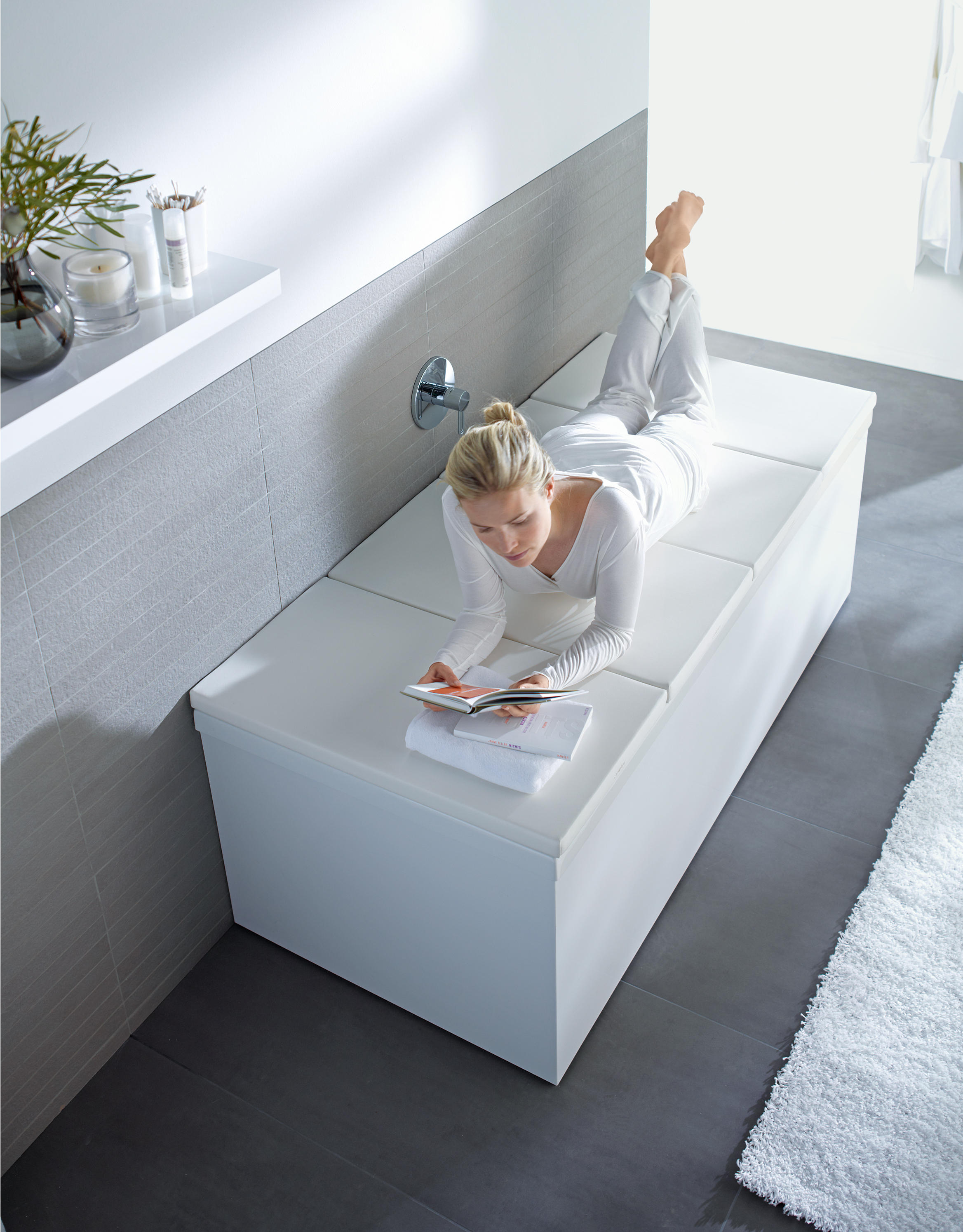 BATHTUB COVER - Bath shelves from DURAVIT | Architonic