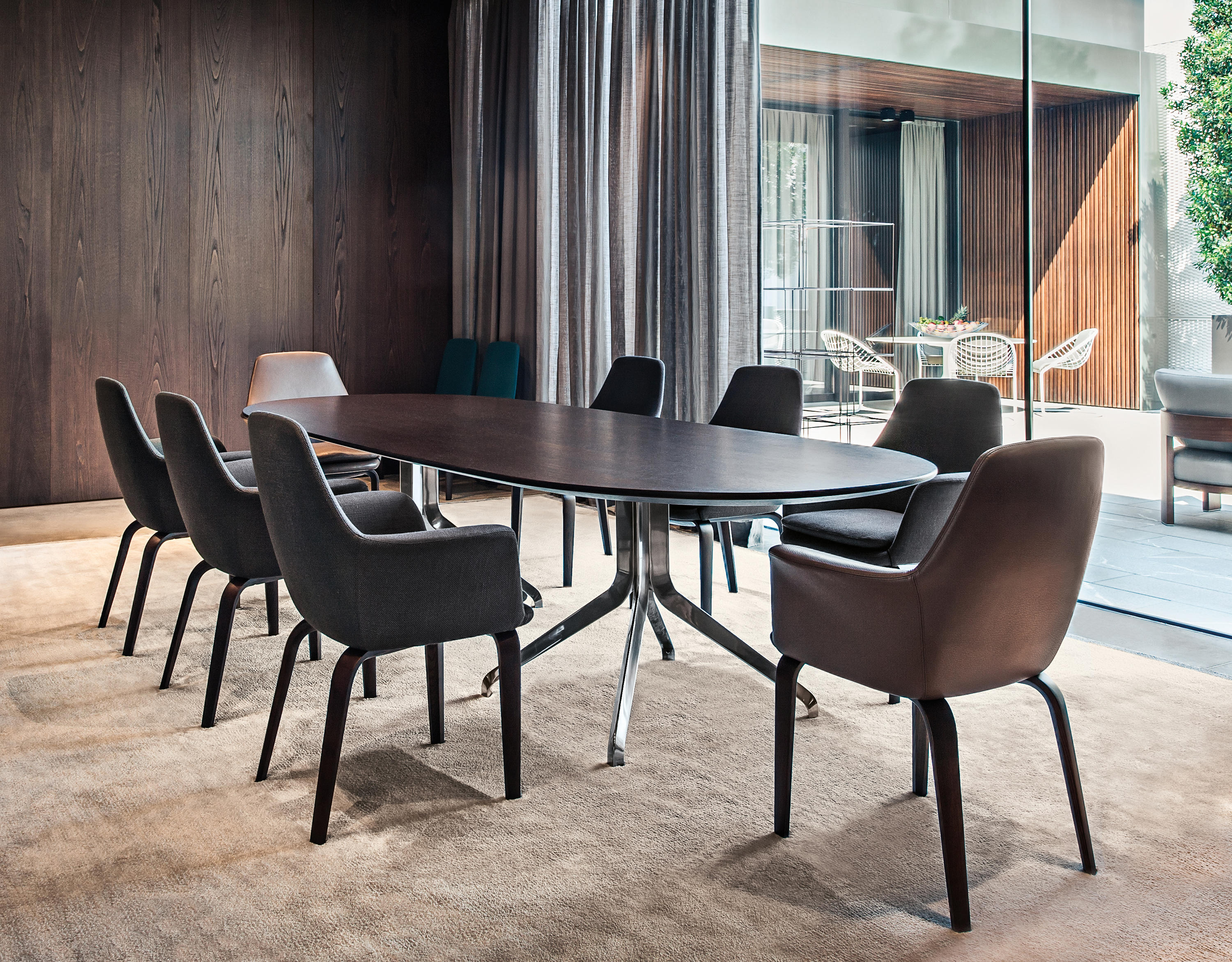 Claydon Dining Tables From Minotti Architonic