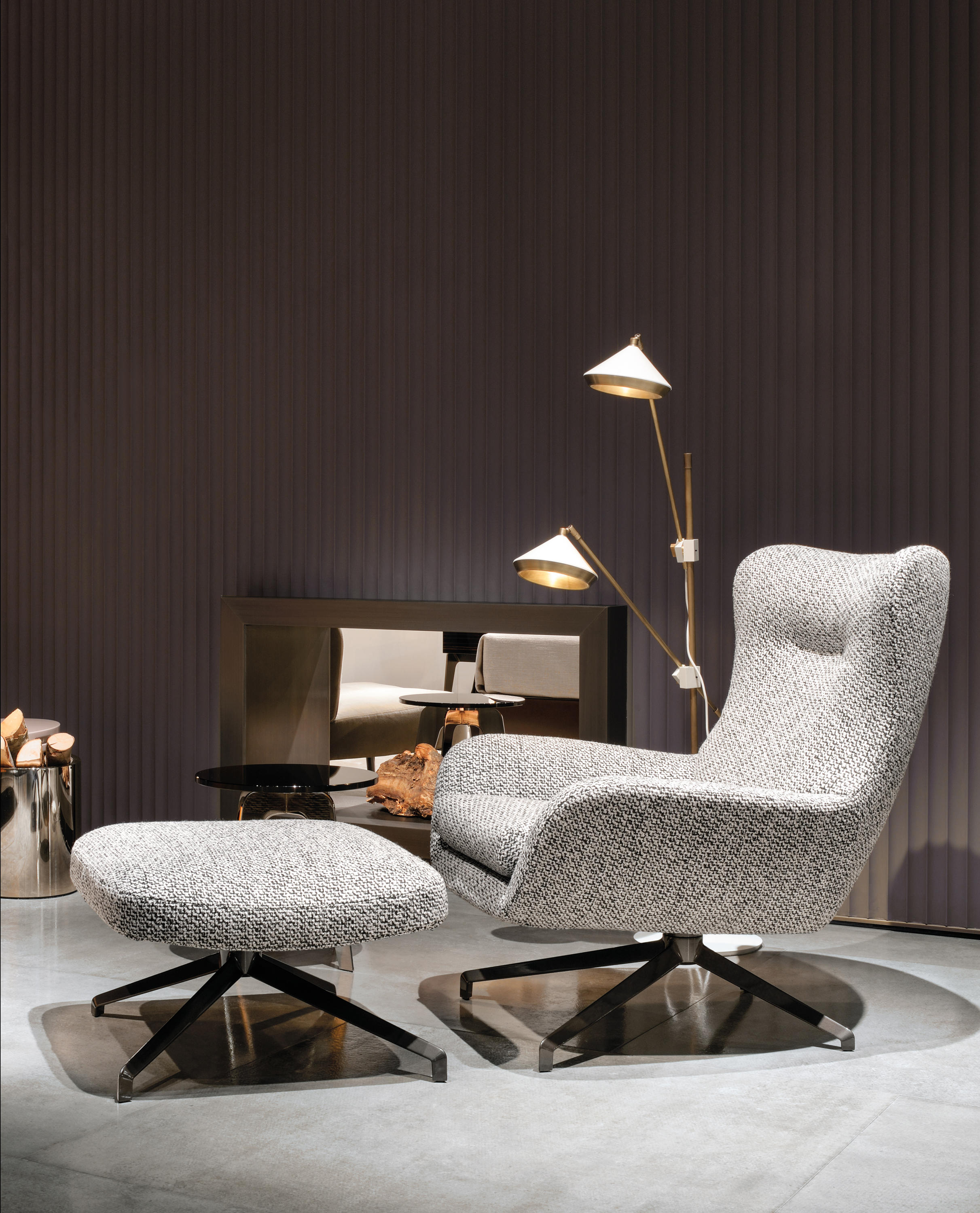 jensen berg re lounge chairs from minotti architonic. Black Bedroom Furniture Sets. Home Design Ideas