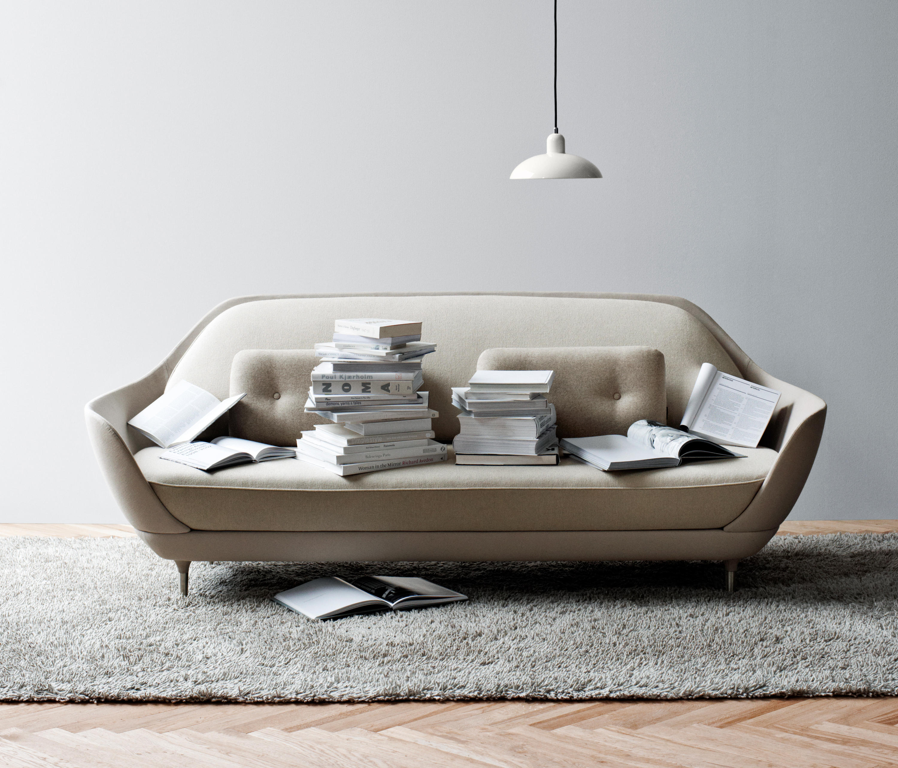Favn sofa loungesofas von fritz hansen architonic for Vinilos decorativos para entradas