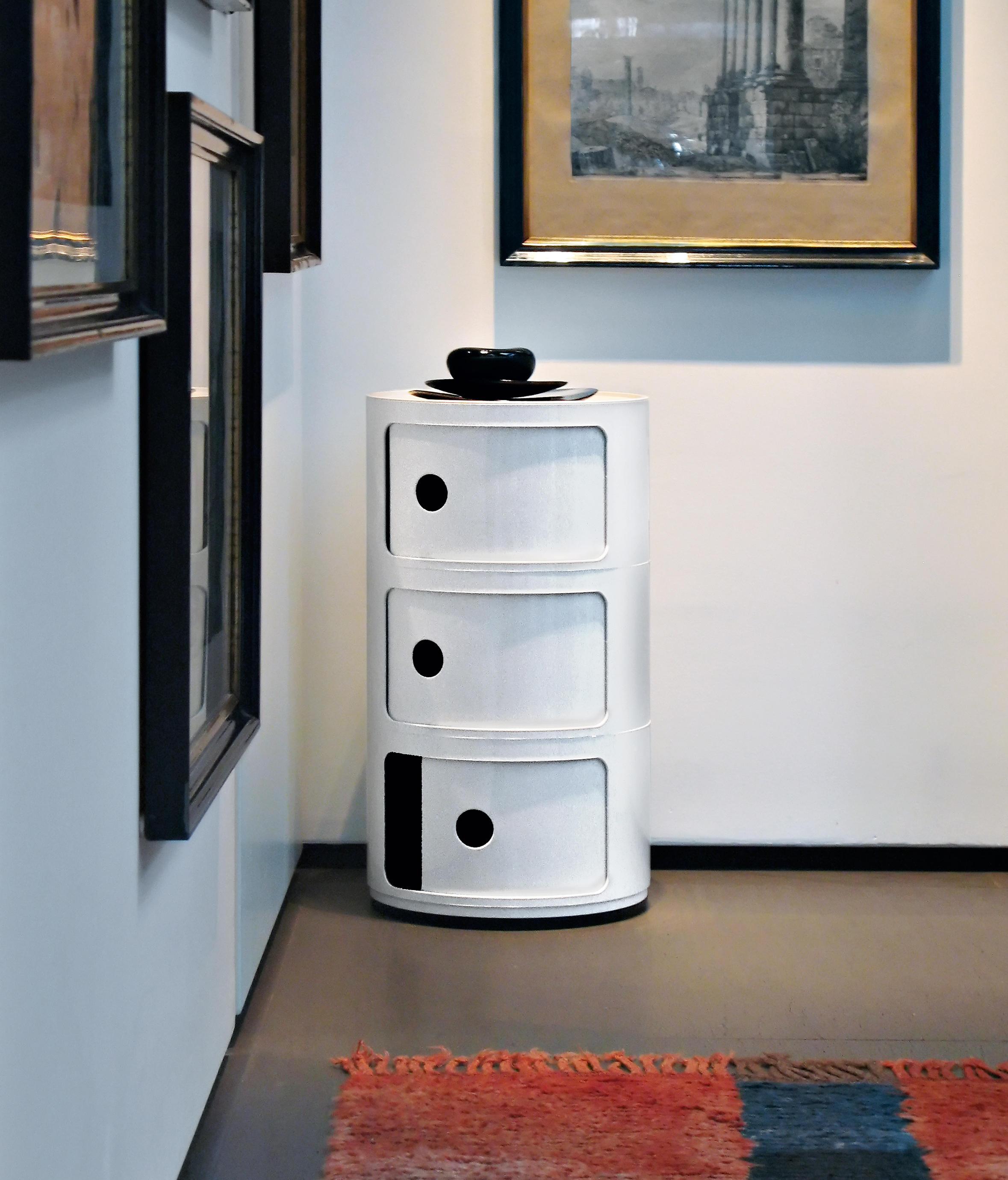 componibili tavolini d 39 appoggio kartell architonic. Black Bedroom Furniture Sets. Home Design Ideas