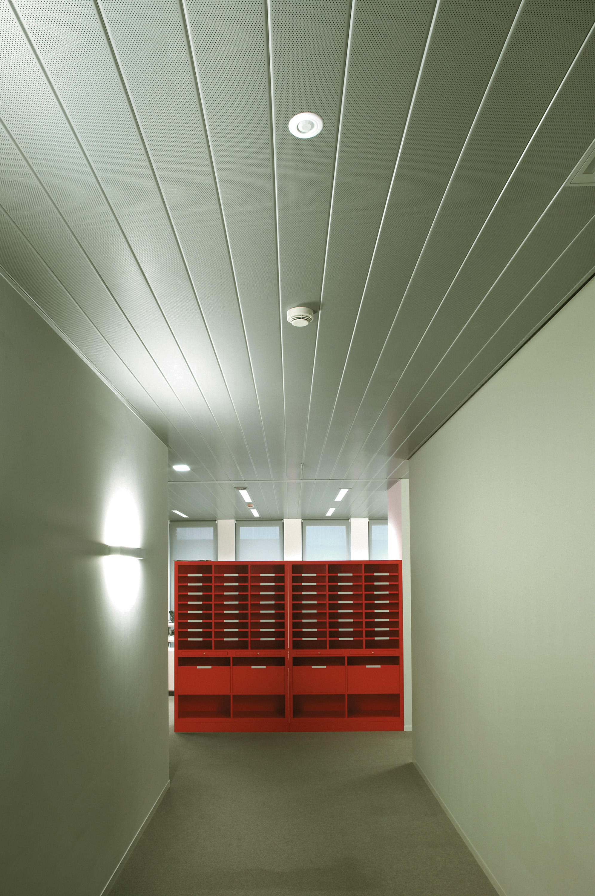 Metal Ceiling Linear Closed Suspended Ceilings From