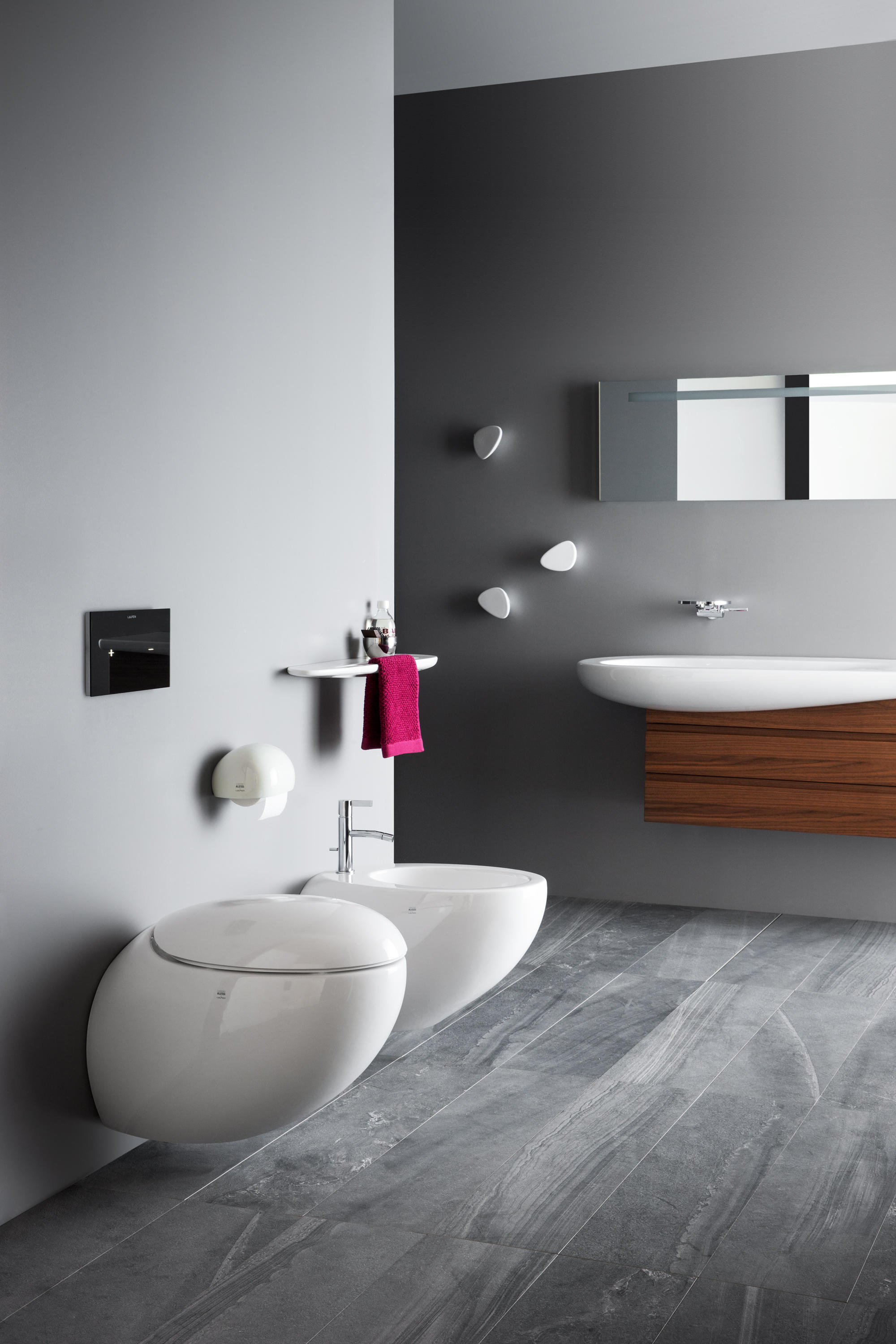 ilbagnoalessi one floorstanding wc toilets from laufen. Black Bedroom Furniture Sets. Home Design Ideas