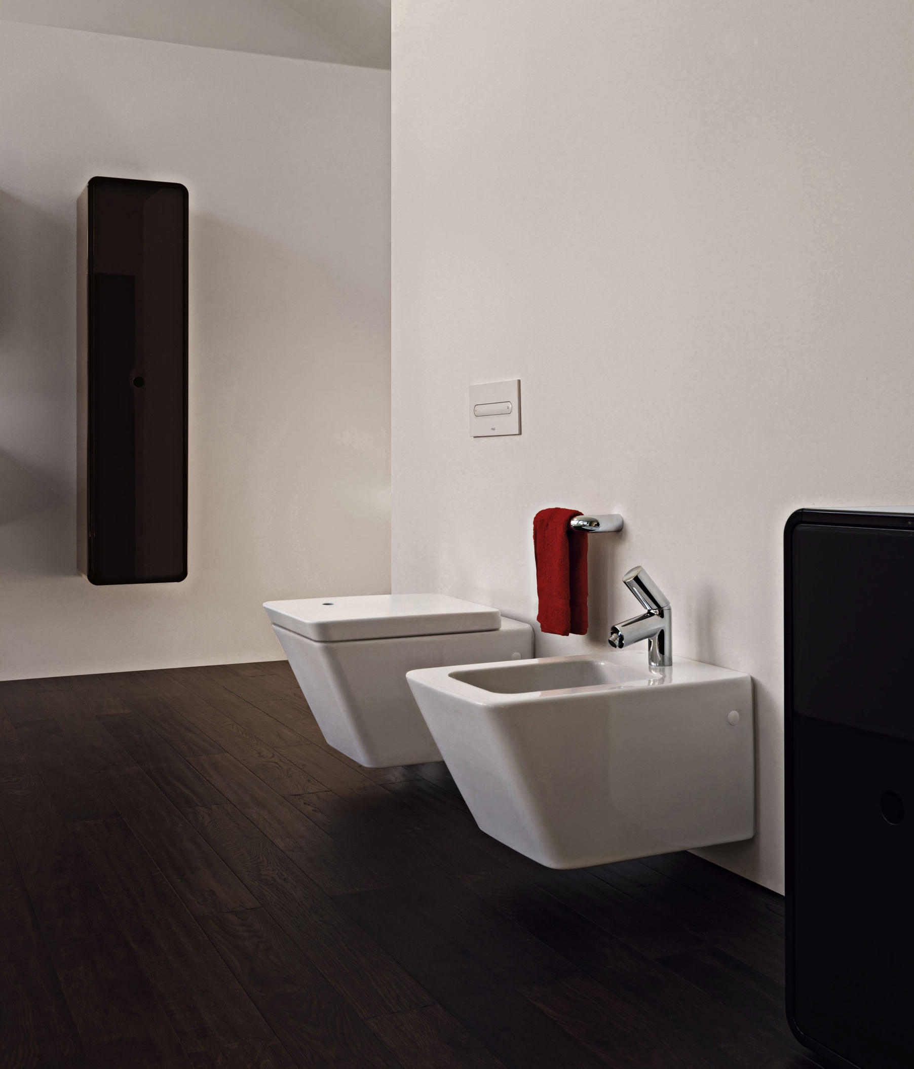 ilbagnoalessi dot wc sitz mit deckel von laufen. Black Bedroom Furniture Sets. Home Design Ideas