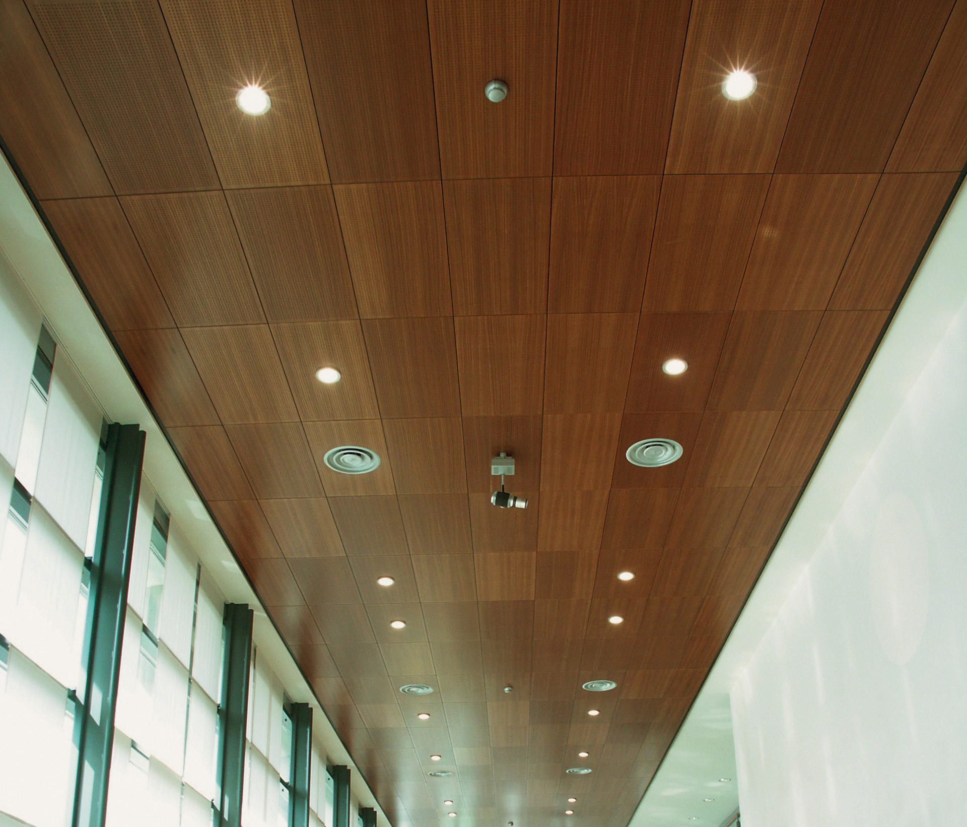 Woodtiles Modern Ceiling Panels From Hunter Douglas Architonic