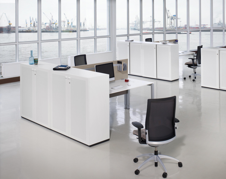 plus by konig neurath konig neurath office furniture systems. Black Bedroom Furniture Sets. Home Design Ideas