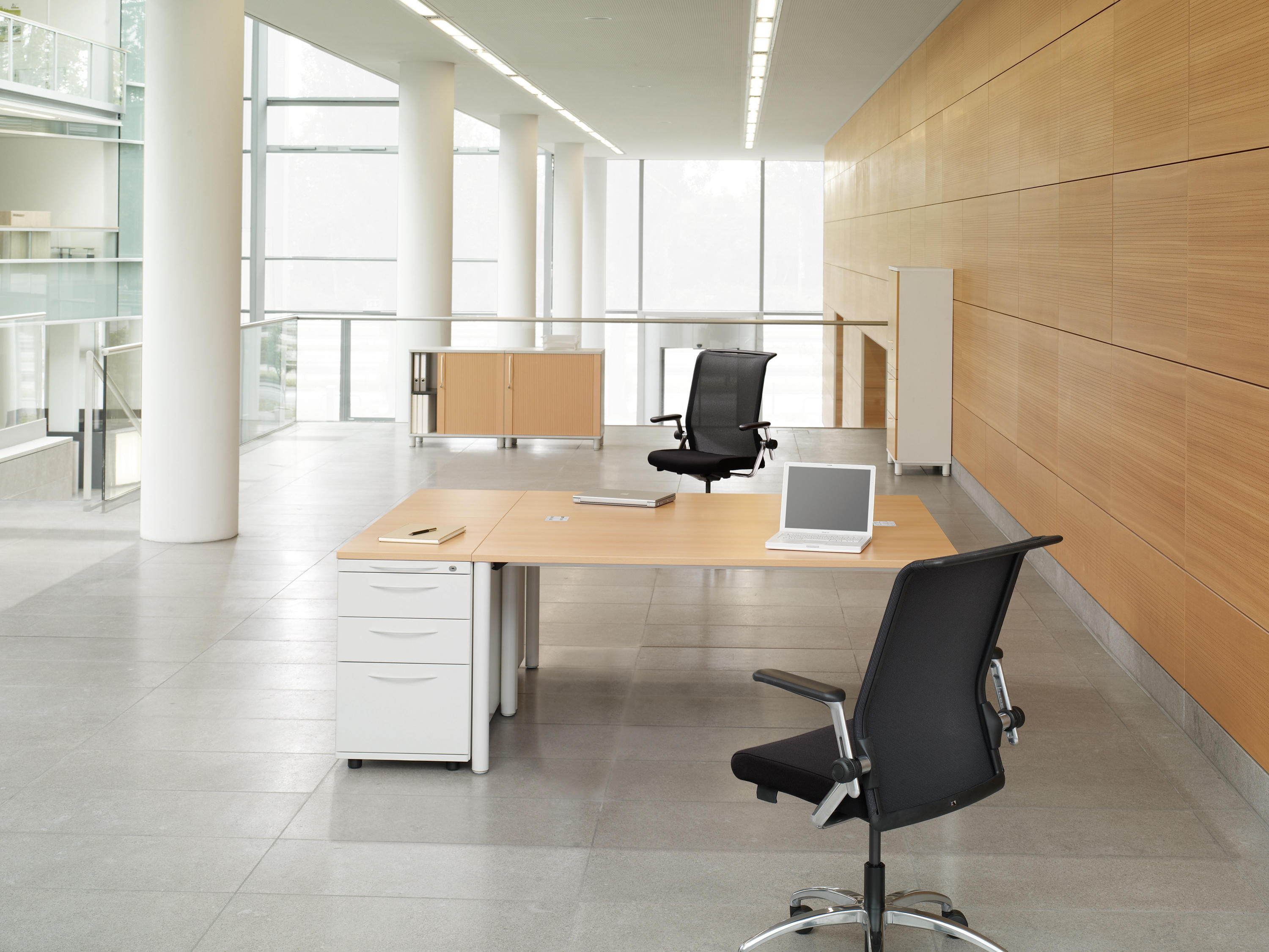 BASIC.4 - Individual desks from König+Neurath | Architonic