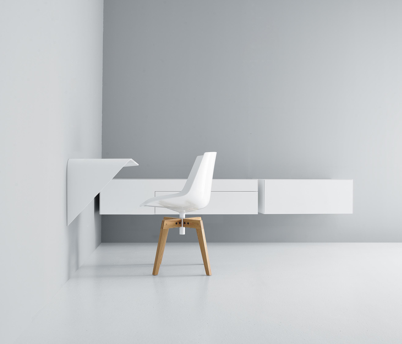 mamba shelf desk desks from mdf italia architonic. Black Bedroom Furniture Sets. Home Design Ideas