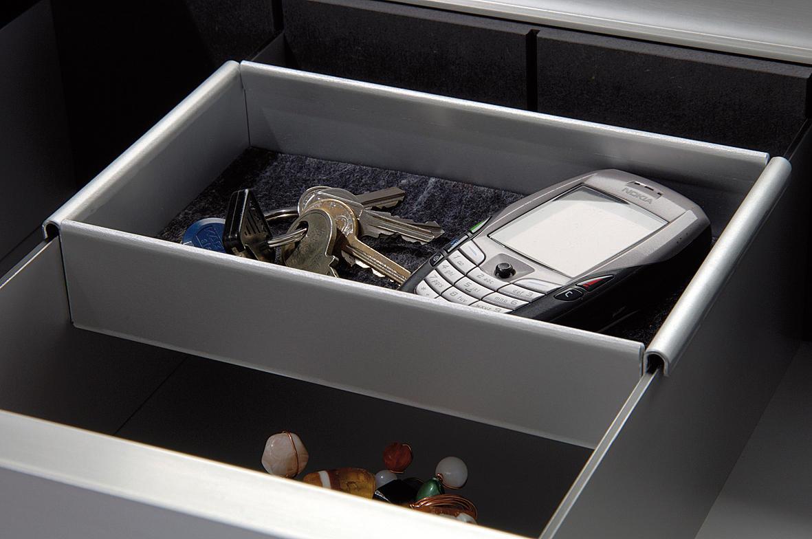 schuhregal schuhschr nke regale von cham leon design. Black Bedroom Furniture Sets. Home Design Ideas