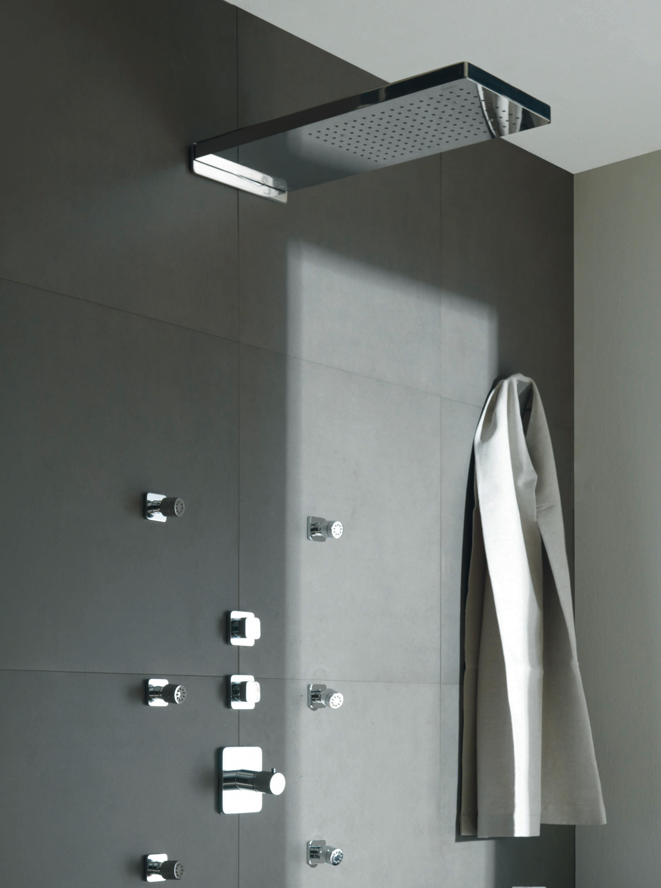 showers z93096 shower taps mixers from zucchetti architonic. Black Bedroom Furniture Sets. Home Design Ideas