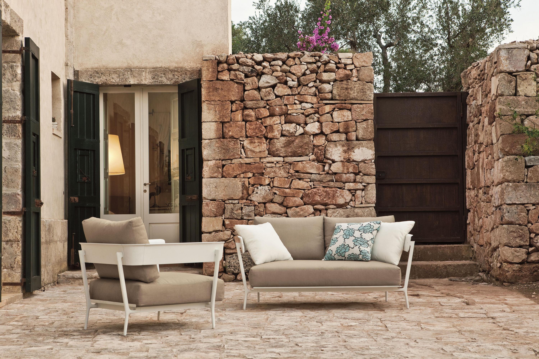 Aikana sofa 3 seater garden sofas from fast architonic for Arredo system