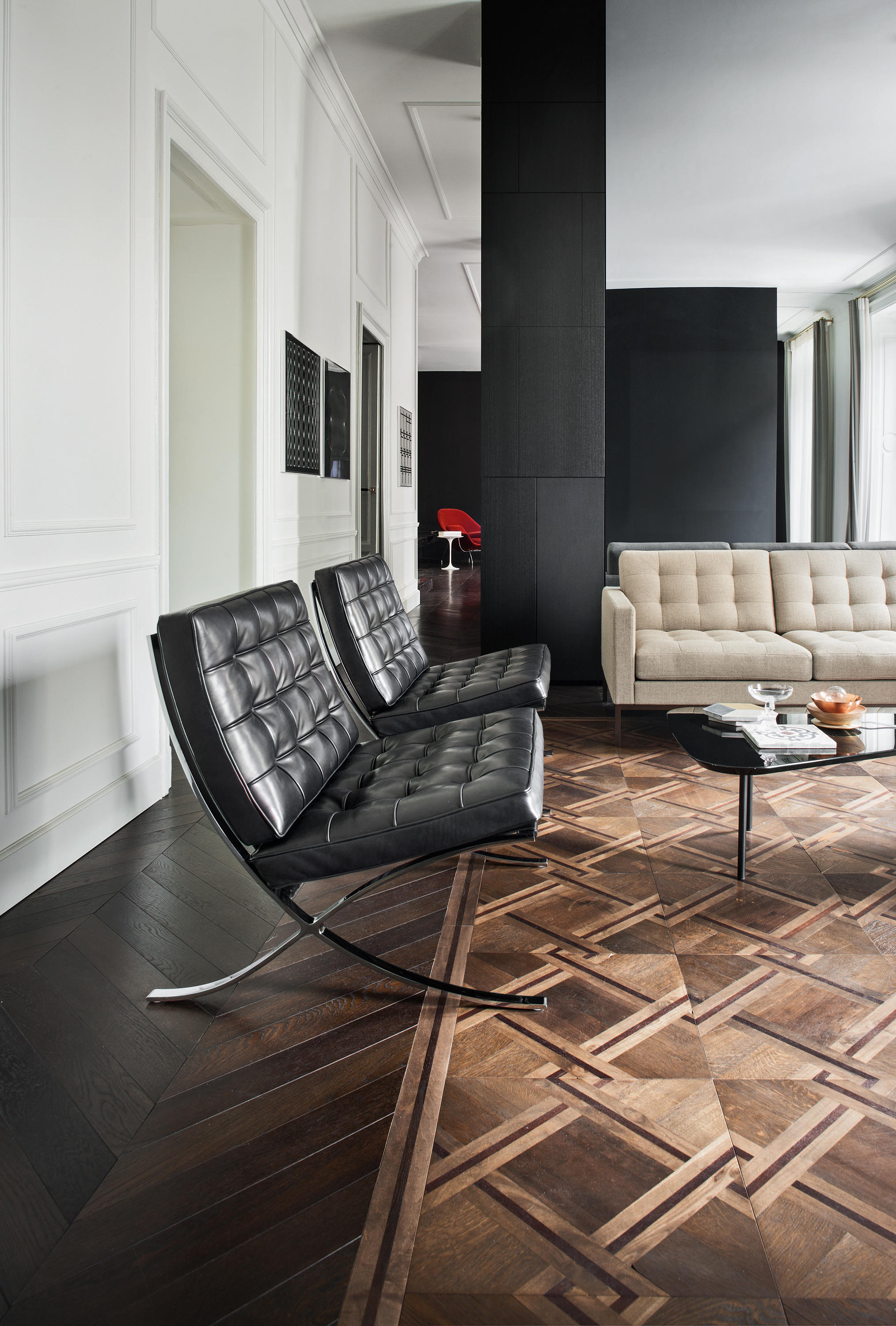 ... Barcelona Chair By Knoll International ...