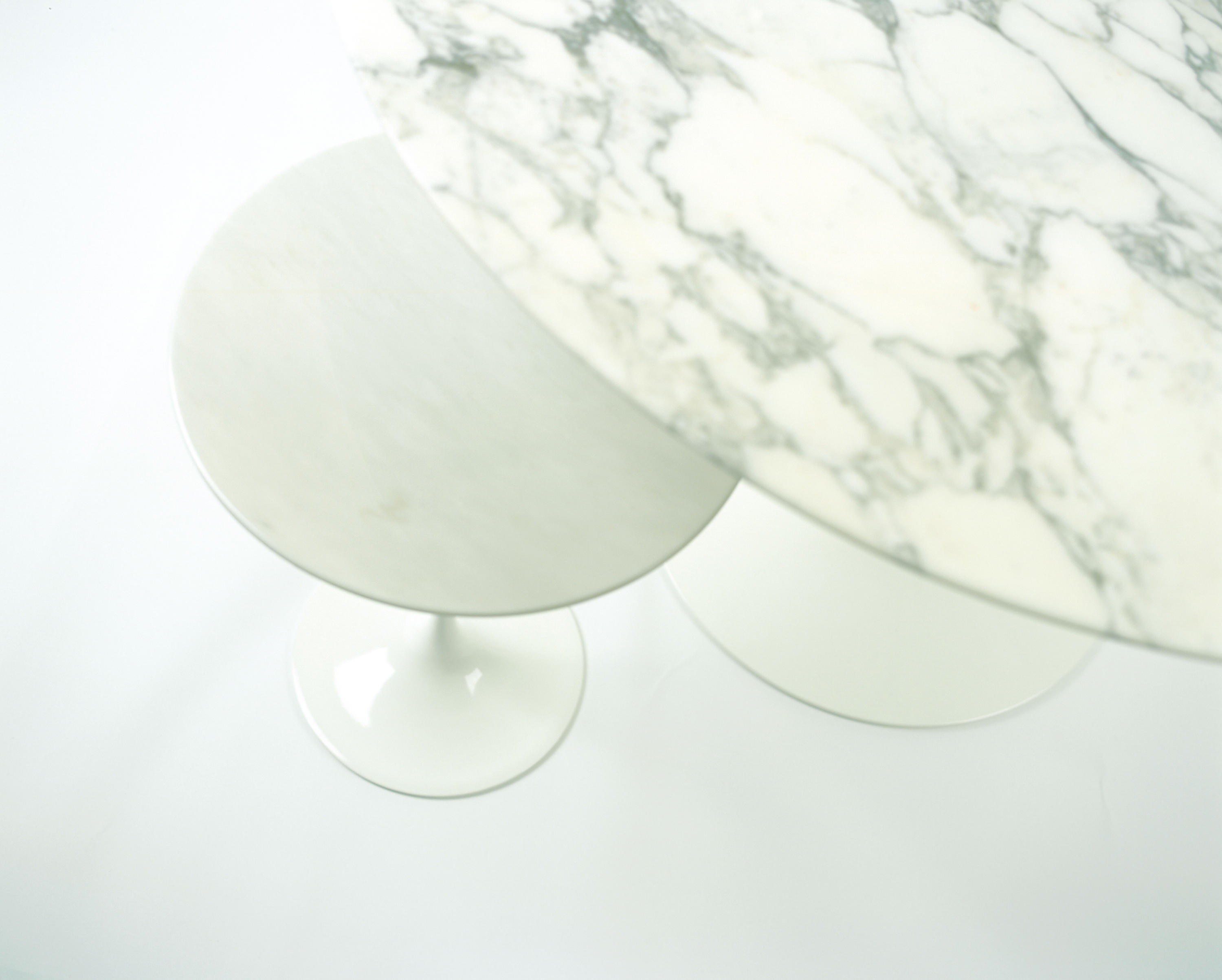 ambient images saarinen tulip low table by knoll