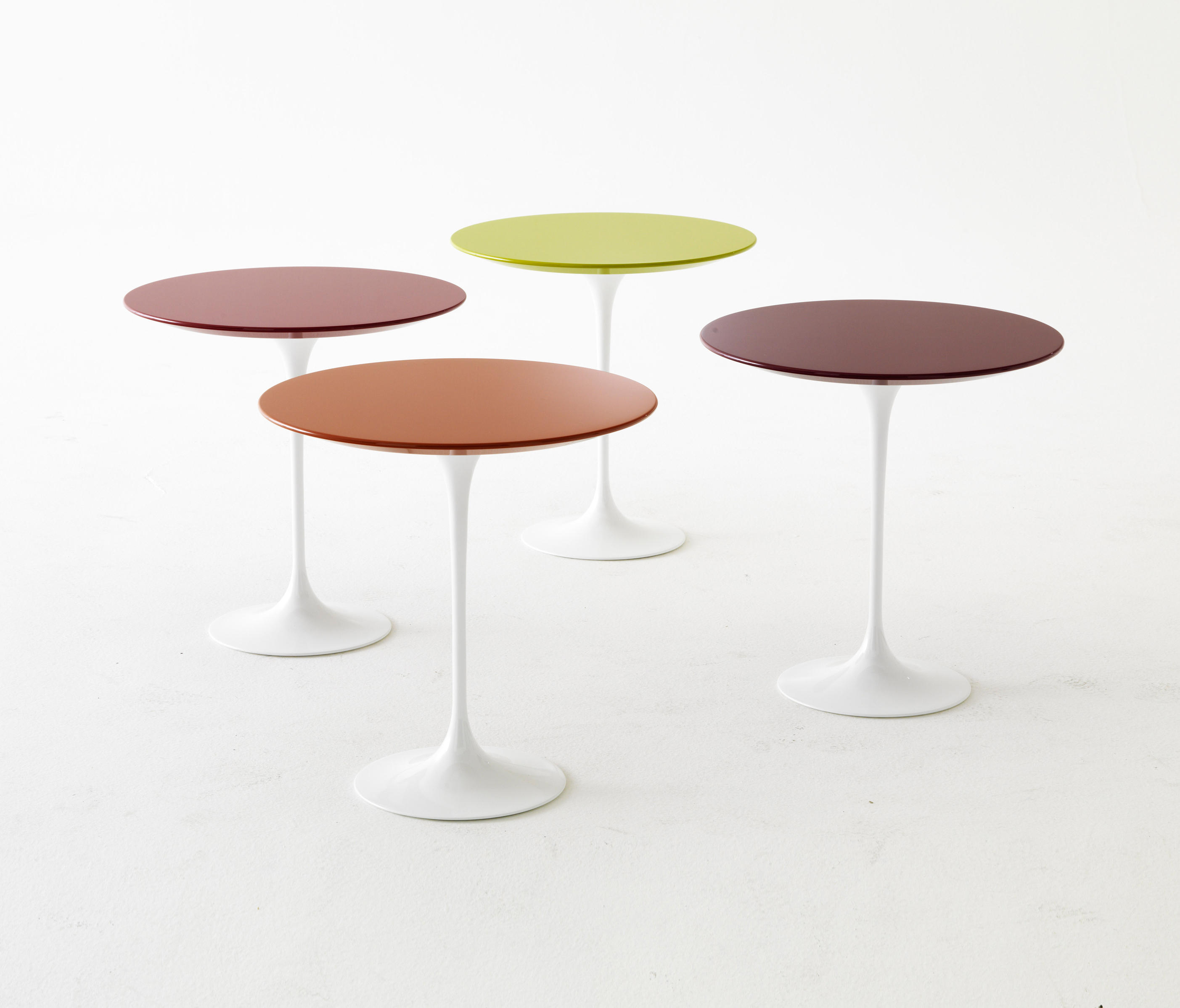 Saarinen tulip low table coffee tables from knoll international ambient images saarinen tulip low table geotapseo Choice Image